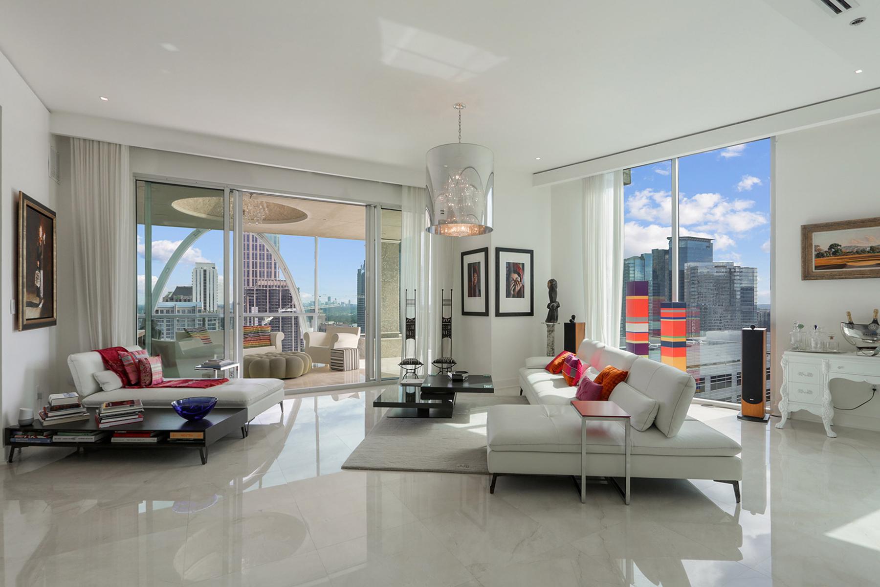 Condominiums для того Продажа на Midtown Penthouse Perfection 20 10th Street NW No. 2501, Atlanta, Джорджия 30309 Соединенные Штаты