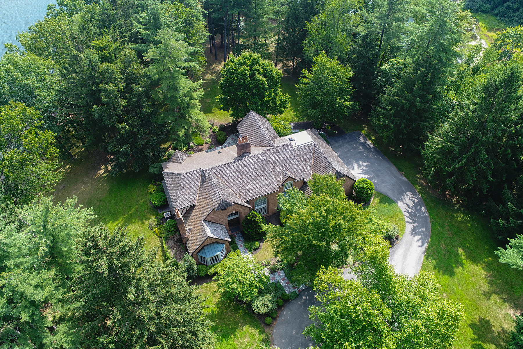 Single Family Home for Sale at 158 Springhouse Lane Spring Grove, Pennsylvania 17362 United States
