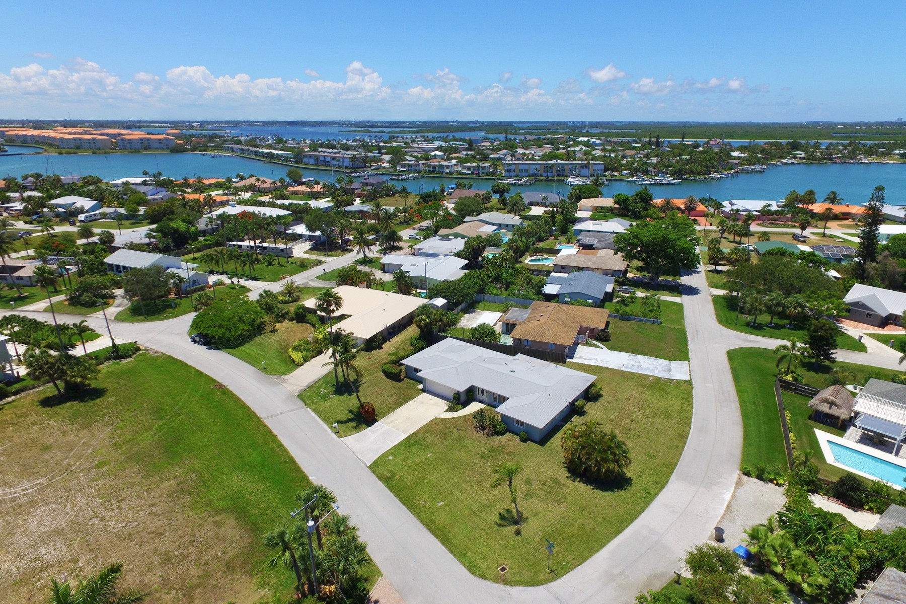 Single Family Home for Sale at Fantastic Location Steps to the Intracoastal 1660 Thumb Point Drive Fort Pierce, Florida 34949 United States