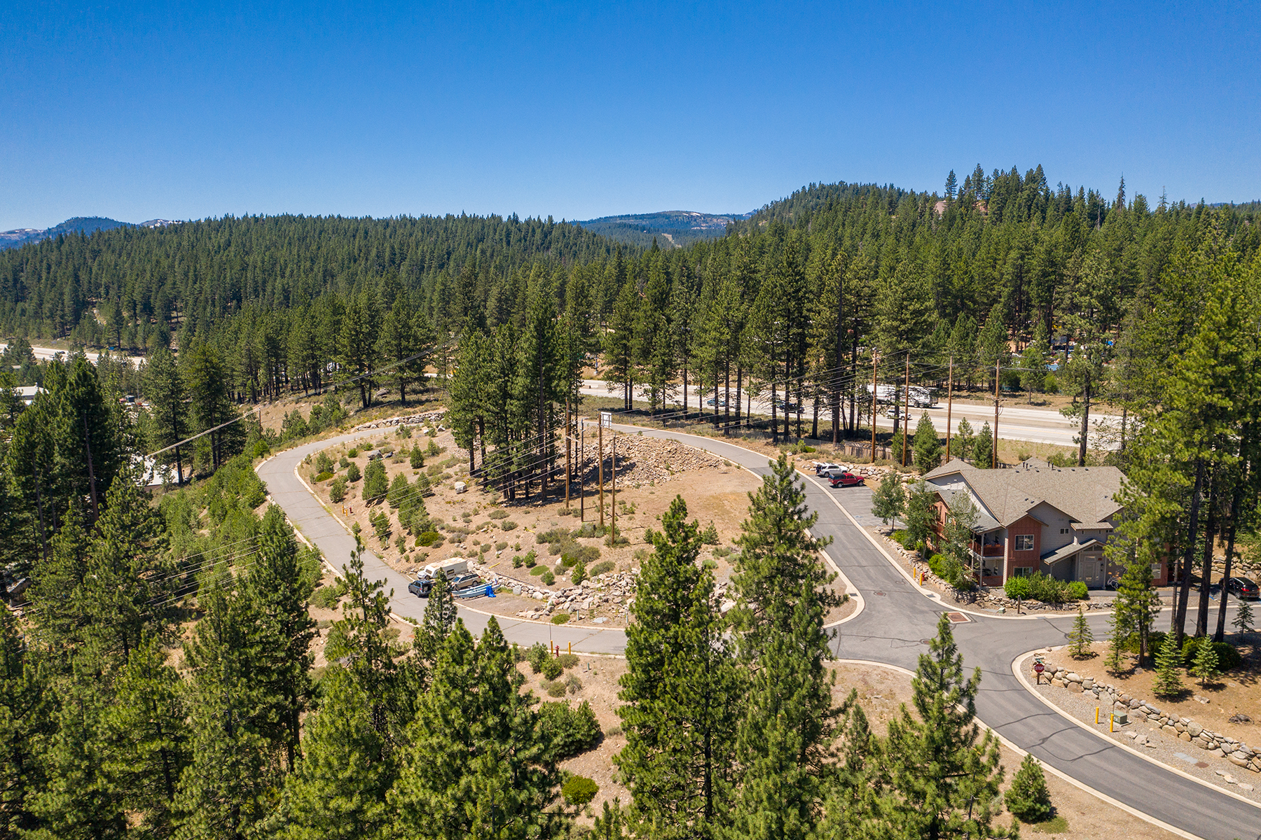 Additional photo for property listing at Wonderful Business Opportunity 10153-10318 Stoneridge Dr. Truckee, California 96161 Estados Unidos