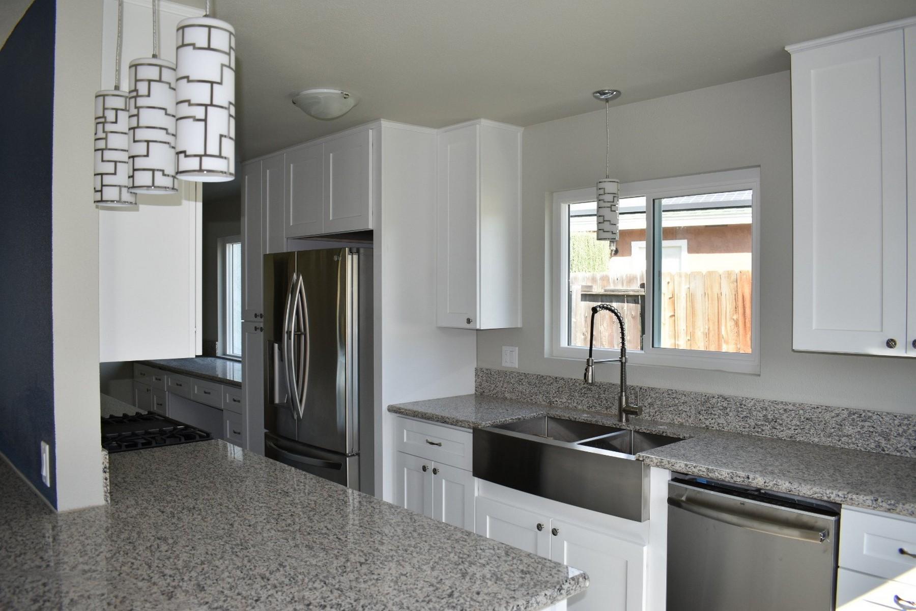 Einfamilienhaus für Verkauf beim 434 Via Emily Avenue 434 Via Emily Avenue Oceanside, Kalifornien 92057 Vereinigte Staaten