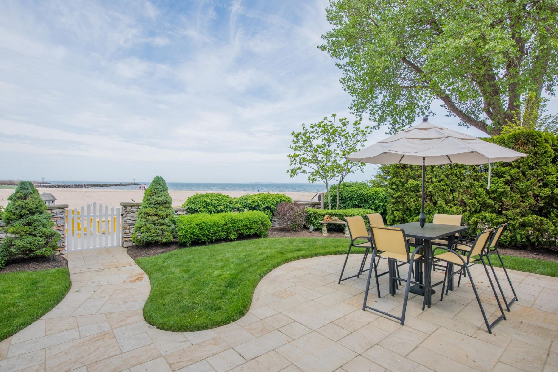 Additional photo for property listing at 8125 East Lake Boulevard 8125 East Lake Boulevard Marblehead, Ohio 43440 United States