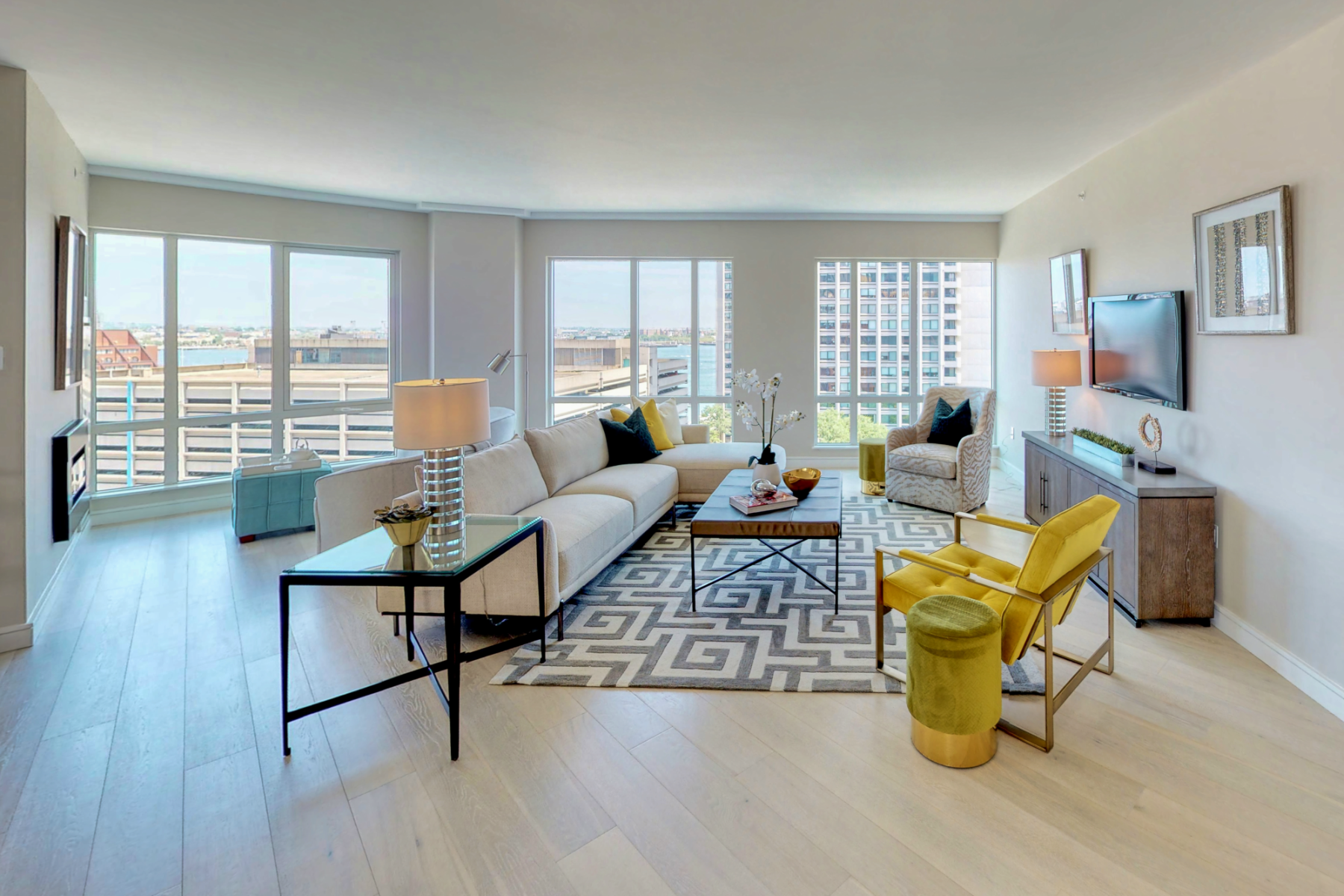 Condominiums por un Venta en Penthouse Residence at The Boulevard 110 Broad Street PH1 Boston, Massachusetts 02110 Estados Unidos
