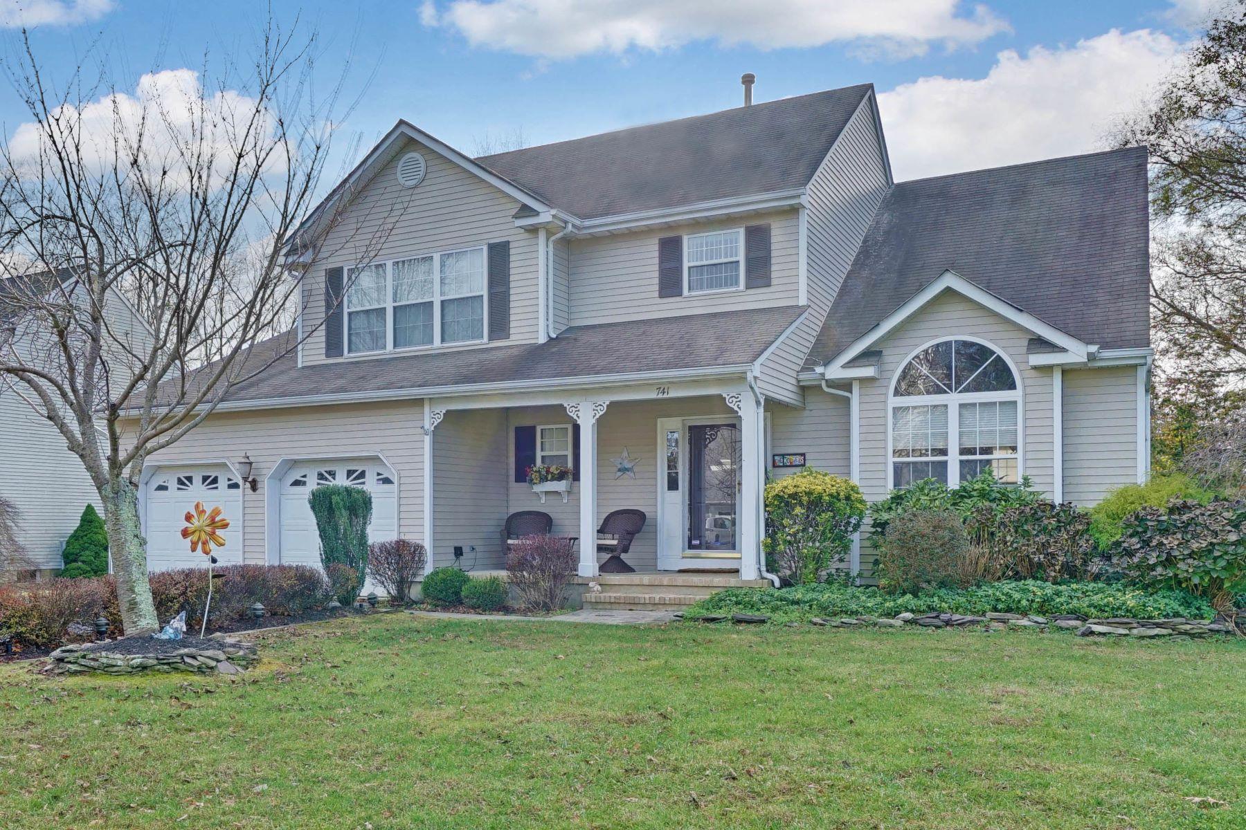 Maison unifamiliale pour l Vente à Beautiful Colonial 741 Durham Terrace, Brick, New Jersey 08724 États-Unis