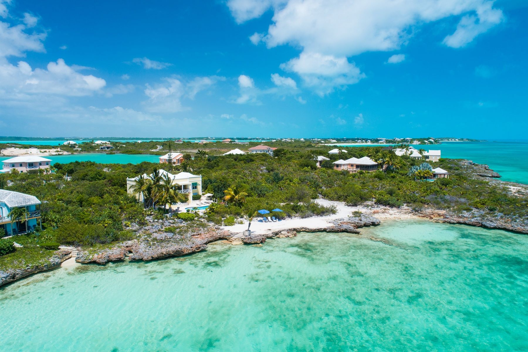 Additional photo for property listing at Blue Waters Oceanfront Silly Creek, Providenciales TKCA 1ZZ Îles Turques Et Caïques