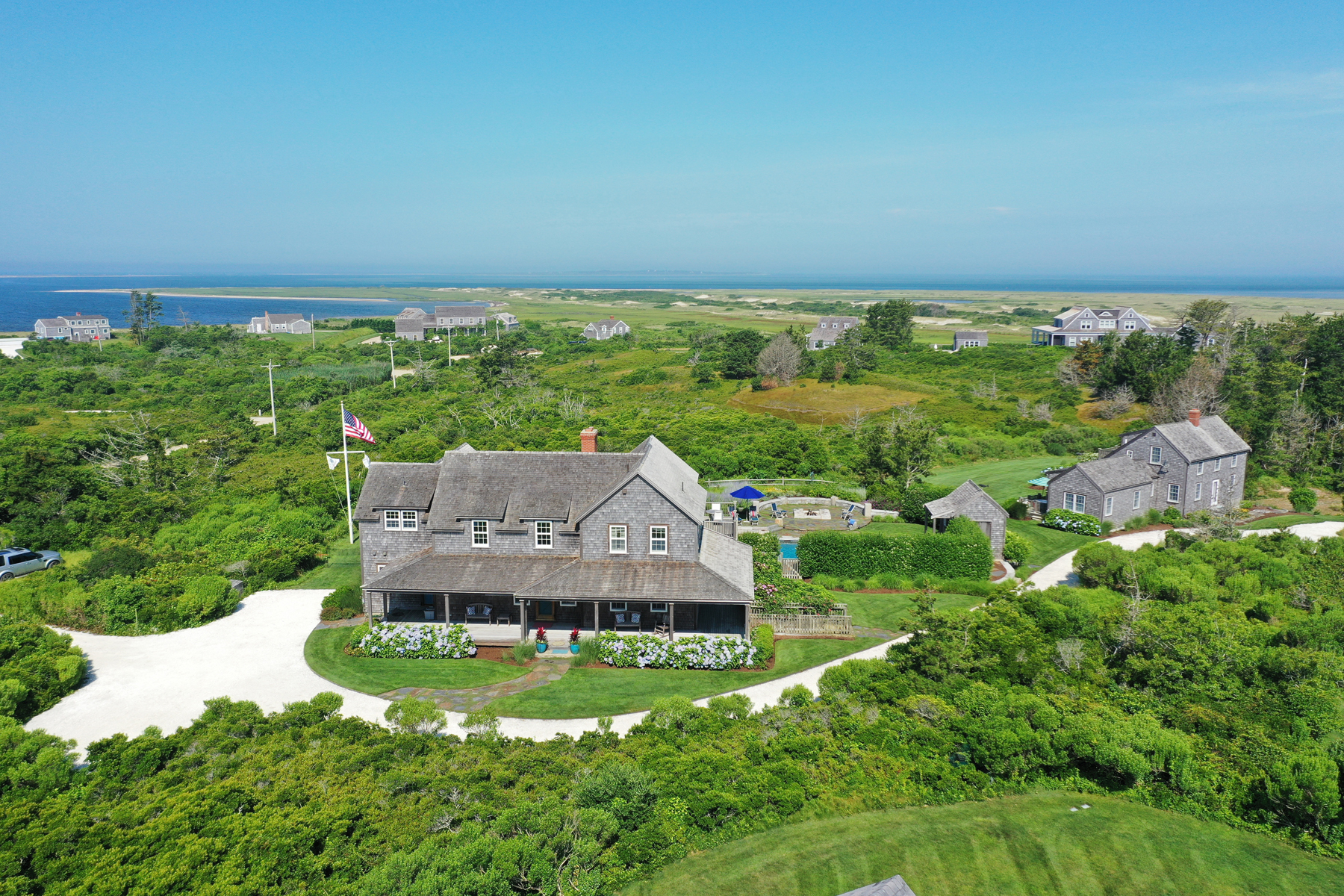 Single Family Homes por un Venta en Sweeping Views on the North Shore 179 Eel Point Road Nantucket, Massachusetts 02554 Estados Unidos