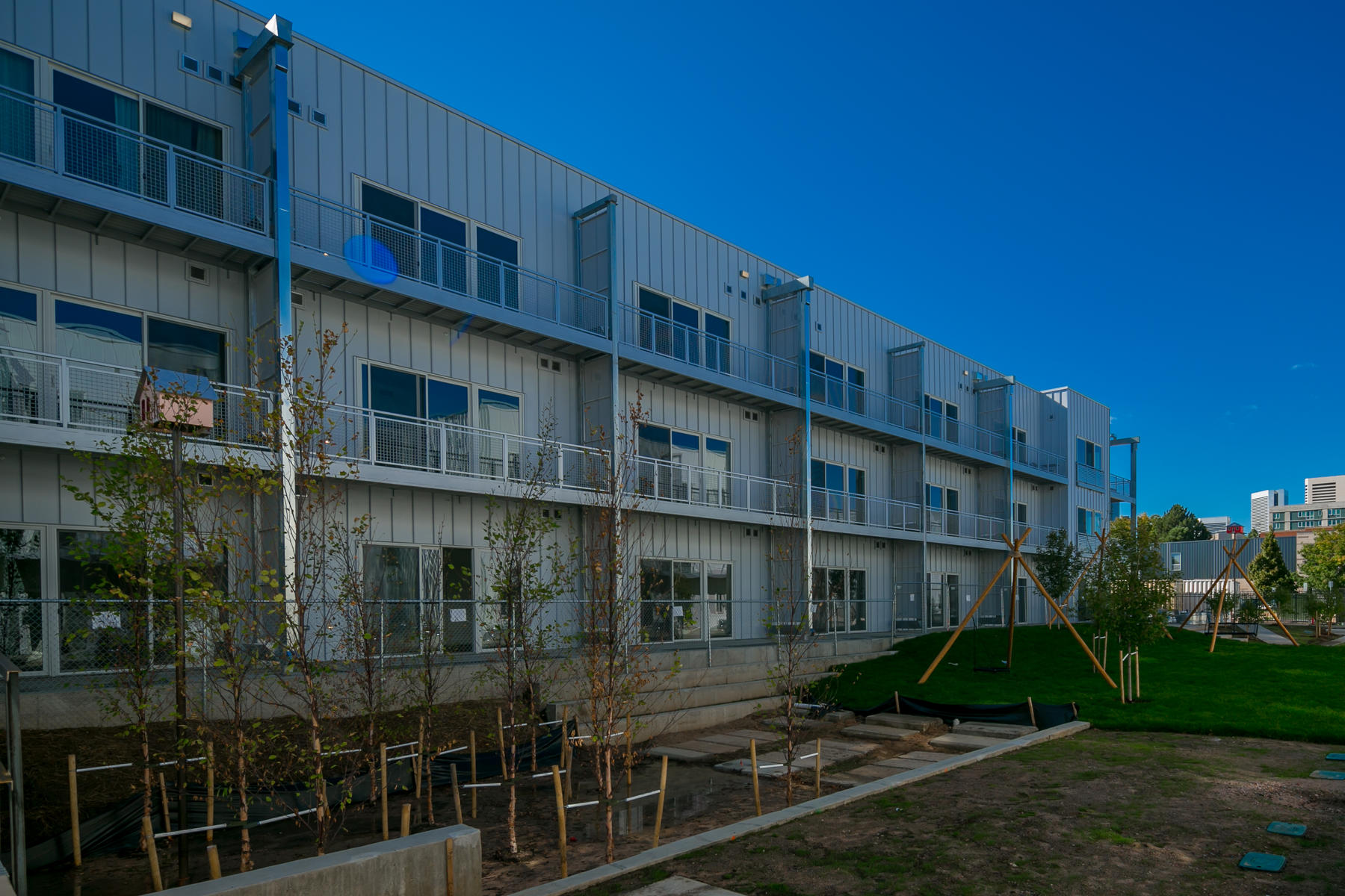 Additional photo for property listing at Cutting Edge And Architecturally Savvy Design 2550 Lawrence St #102 Denver, Colorado 80202 United States