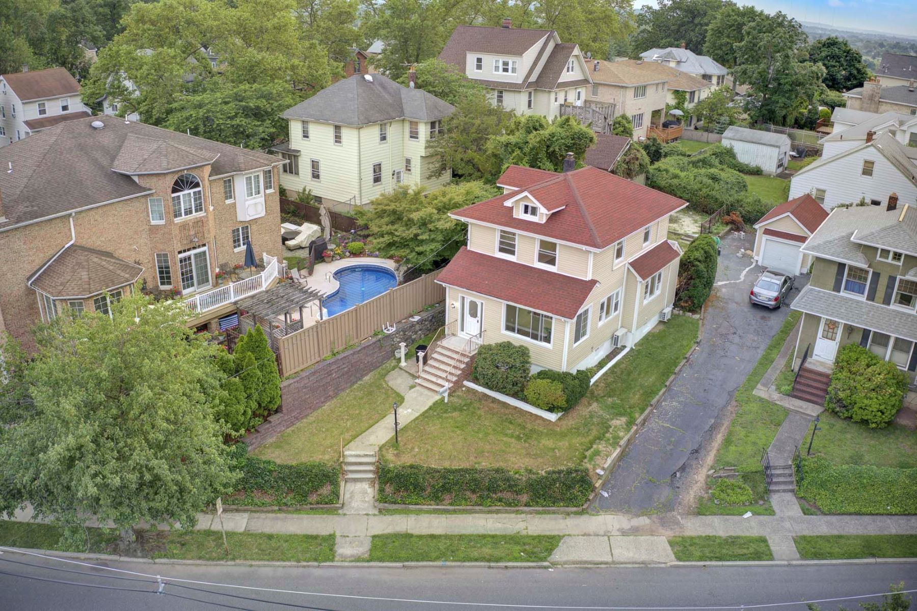 Single Family Homes for Sale at Updated Colonial 705 Prospect Ave Ridgefield, New Jersey 07657 United States