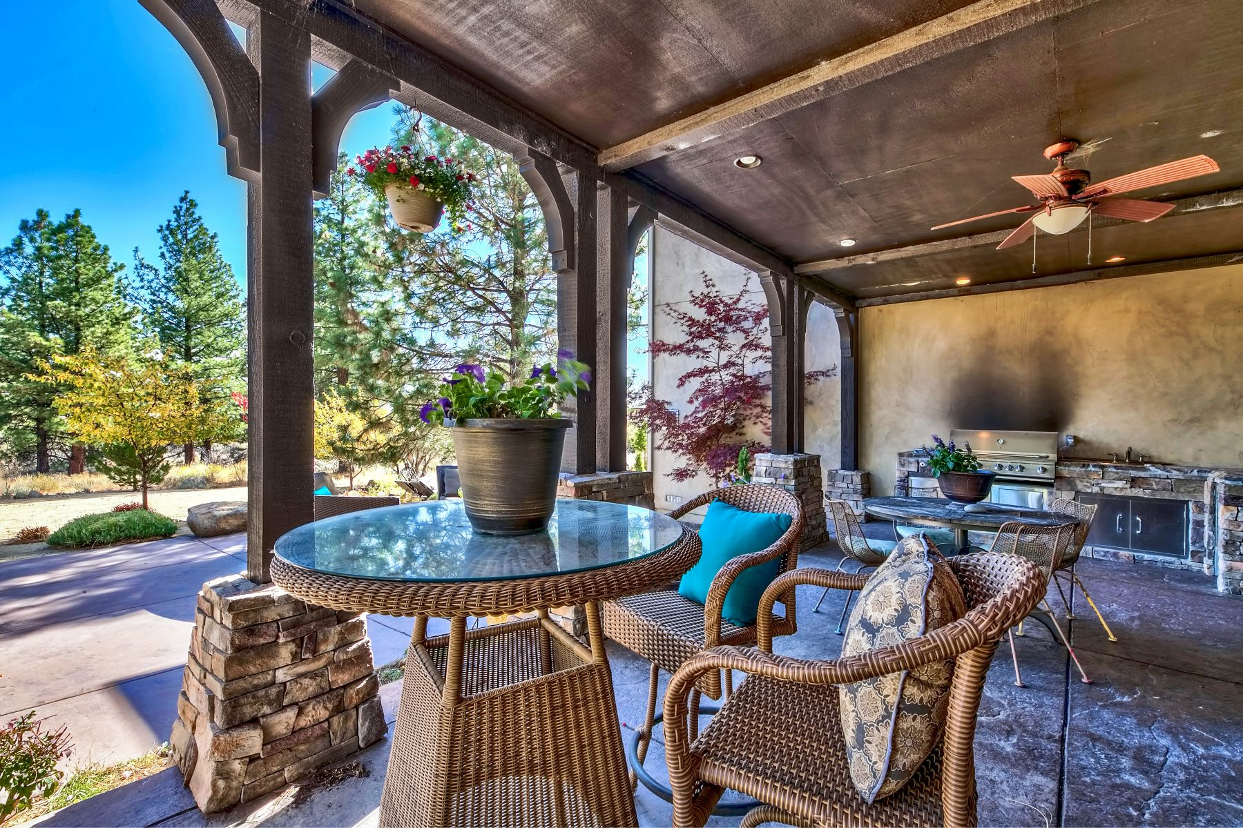 Additional photo for property listing at Beauty, elegance, and nature! 395 Mount Mahogany Ct. Reno, Nevada 89511 United States