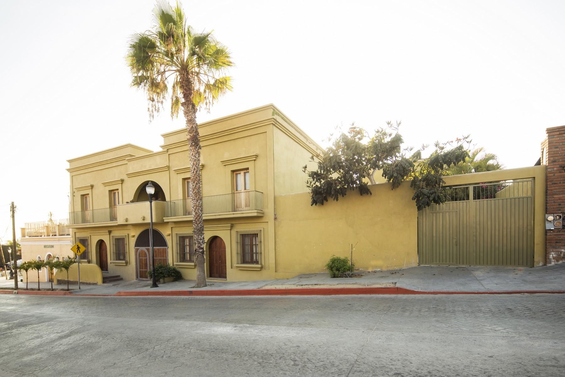 Частный односемейный дом для того Продажа на Casa del Kiosko Santa Fe Benito Juarez Todos Santos, Baja California Sur, 23300 Мексика