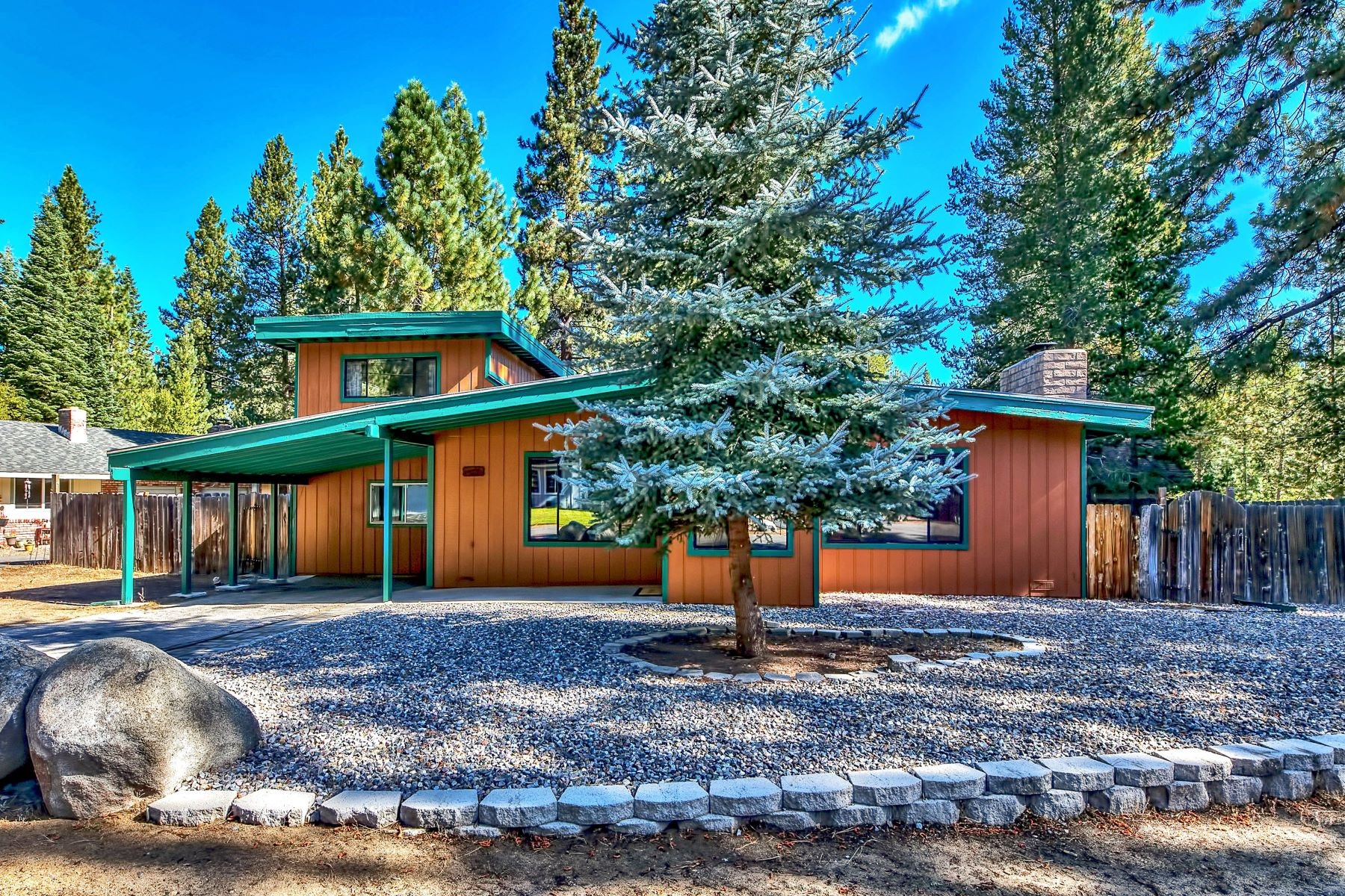 Single Family Homes for Active at Tahoe Island charmer. 817 Hazel Drive South Lake Tahoe, California 96150 United States