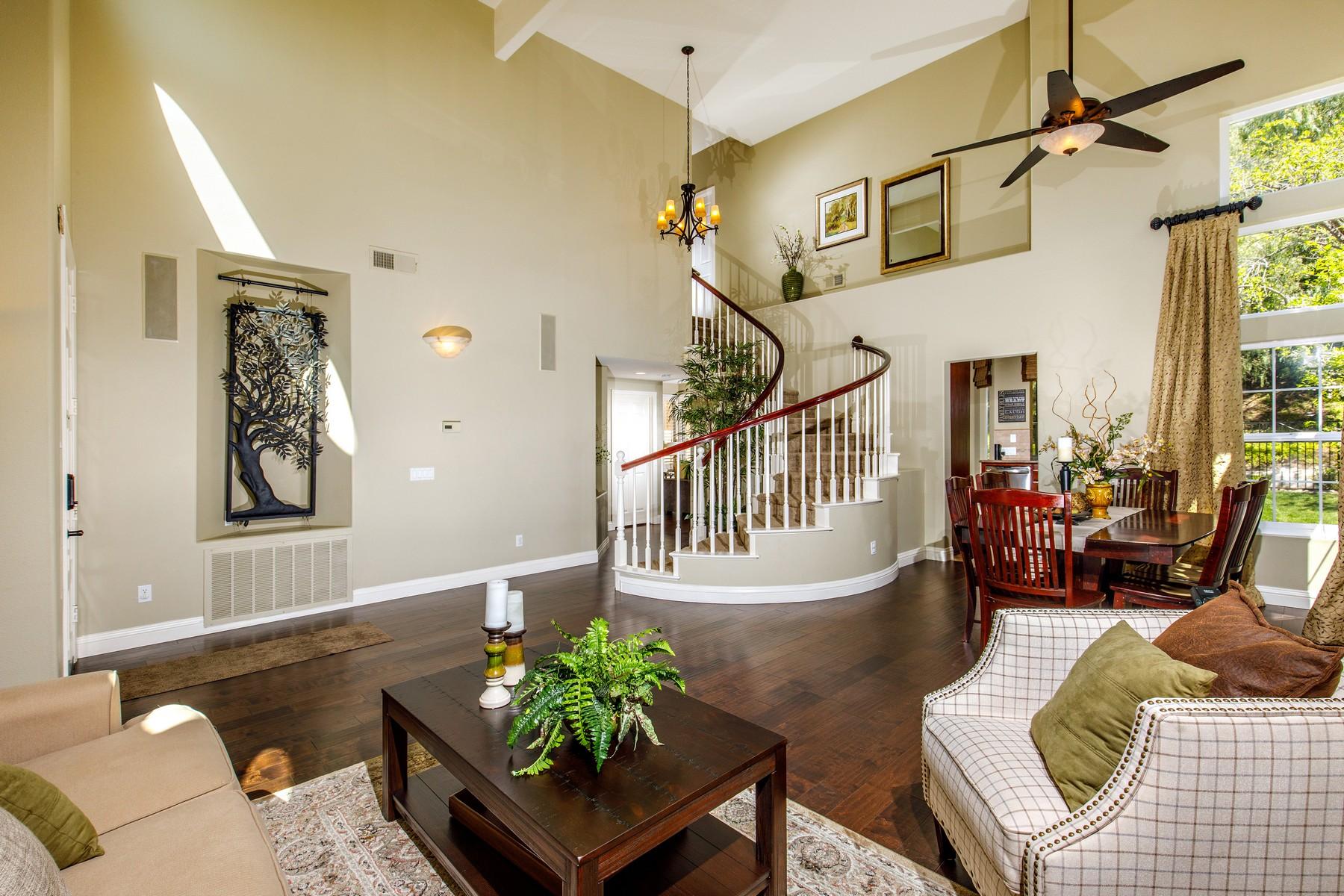 Частный односемейный дом для того Продажа на 11814 Meriden Lane San Diego, Калифорния 92128 Соединенные Штаты