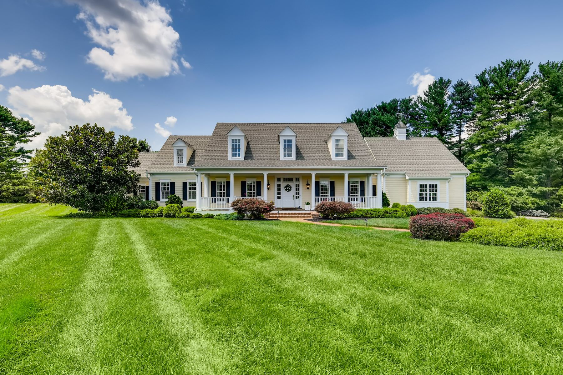 Single Family Homes for Sale at Falls Road Corridor 11800 Meylston Drive Lutherville Timonium, Maryland 21093 United States