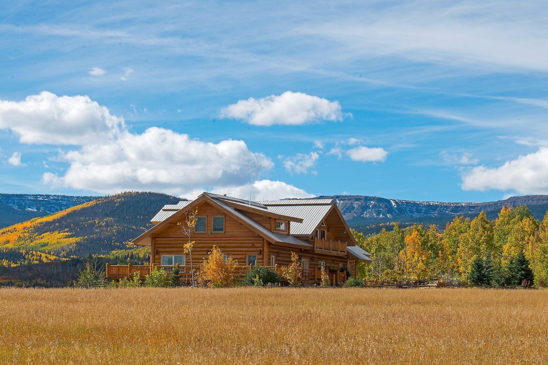 Fazenda / Rancho / Plantação para Venda às Magnificent Rocky Mountain Ranch TBD RCR 15 Yampa, Colorado, 80483 Estados Unidos