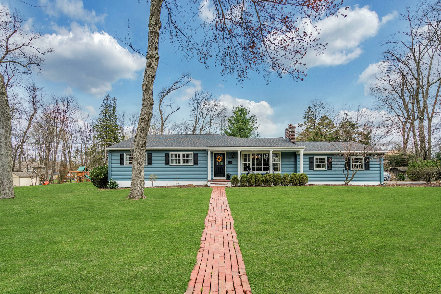 Single Family Homes for Sale at Fabulous Updated Ranch 362 Drake Road Wyckoff, New Jersey 07481 United States