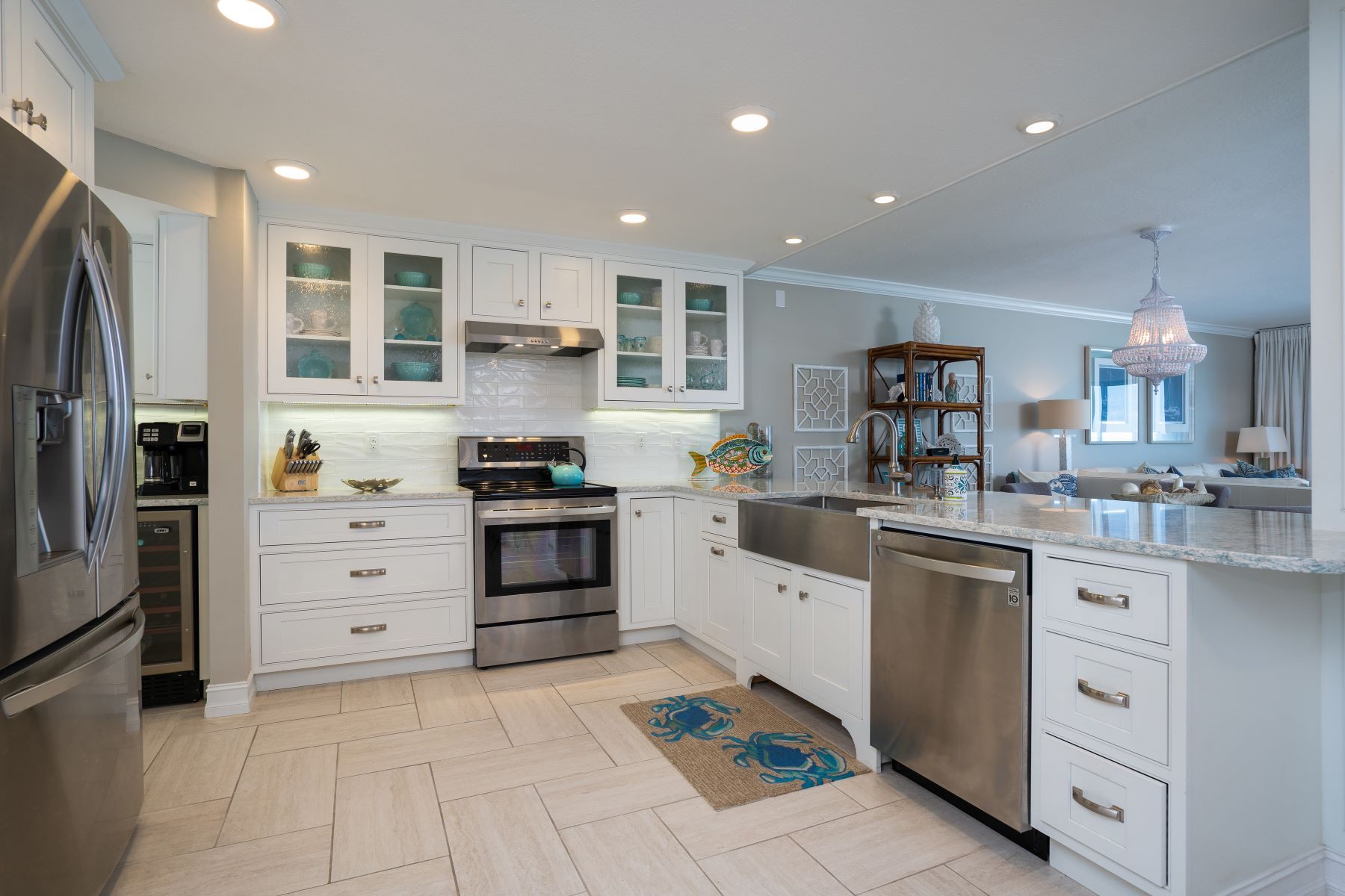 Additional photo for property listing at Impressive Direct Oceanfront Condo With Tasteful Finishes in Sterling House 6307 S Highway A1A Unit 242 Melbourne Beach, Florida 32951 United States