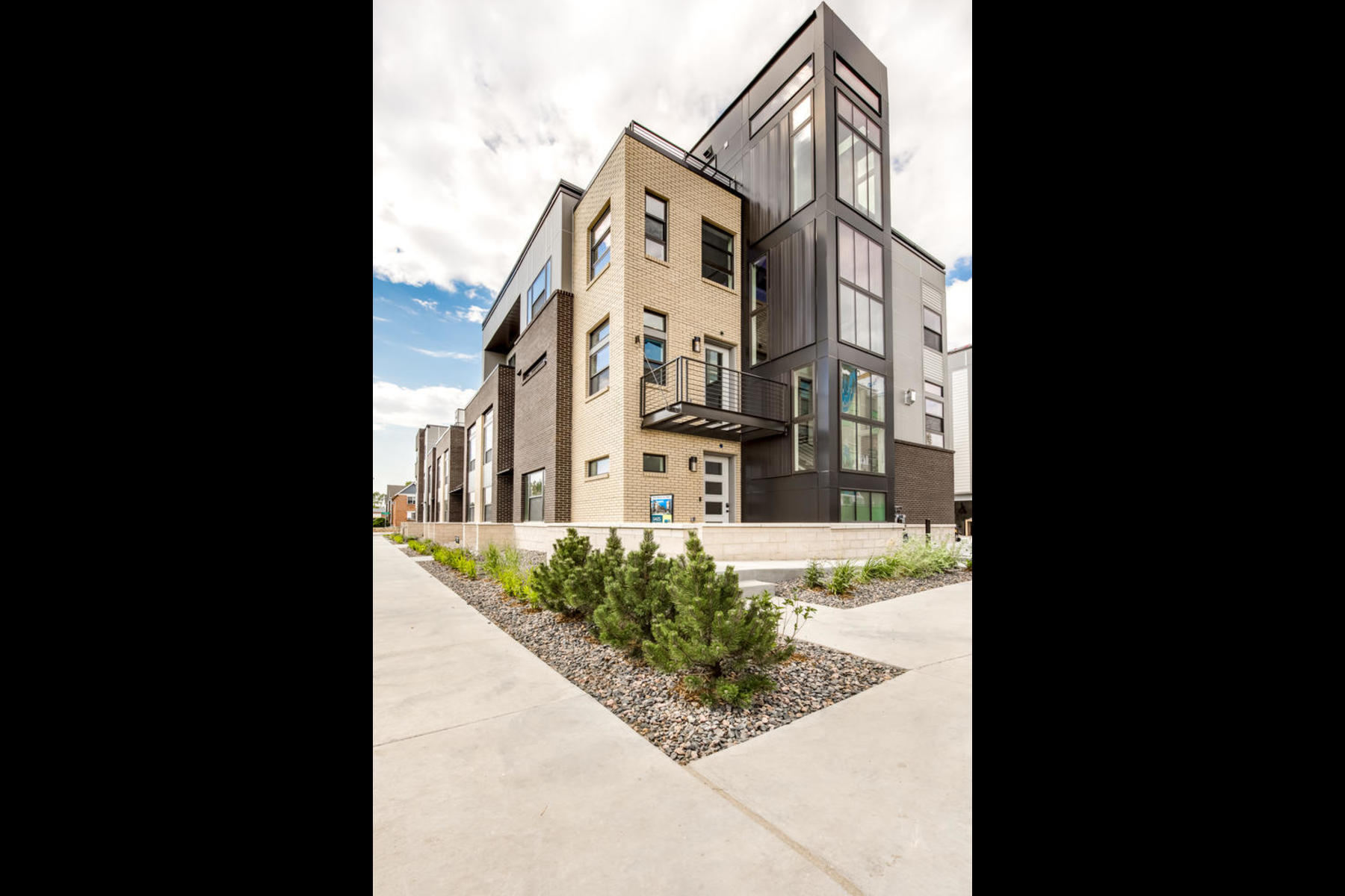 Townhouse for Active at New Townhome At Sloan's Lake! 1574 Quitman St Denver, Colorado 80204 United States