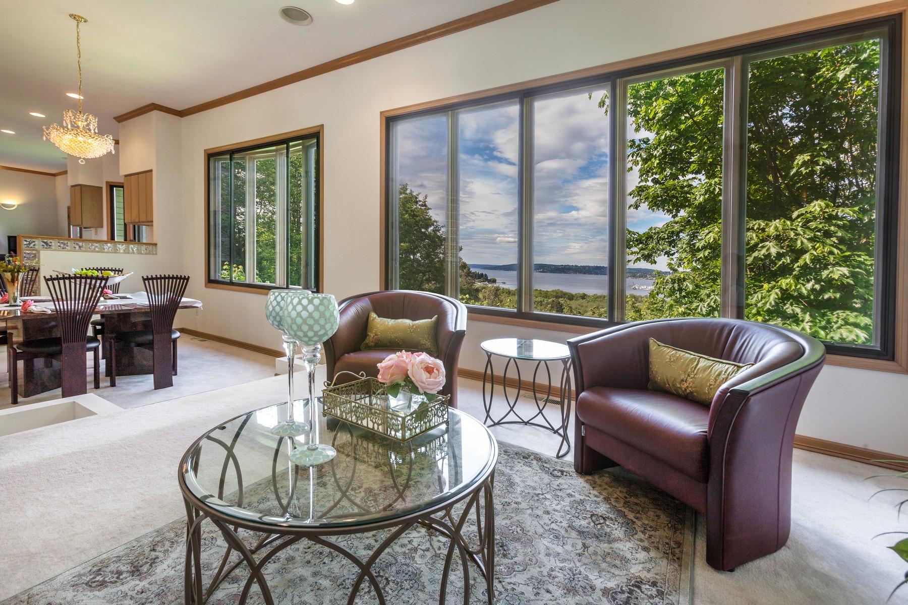 Additional photo for property listing at Clyde Hill Contemporary 9836 NE 34th Pl Bellevue, Вашингтон 98004 Соединенные Штаты