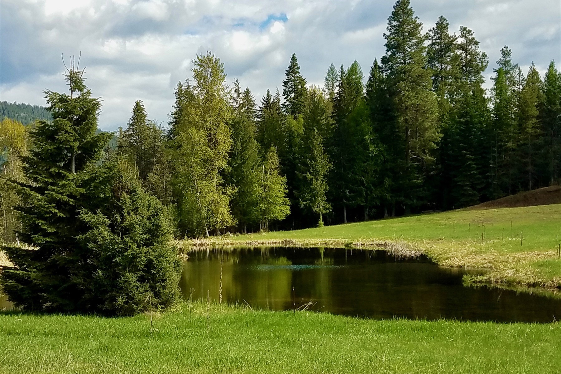 Land for Active at Verdant 10 Acre Waterfront Lot on McArthur NNA White Mountain Road Naples, Idaho 83847 United States