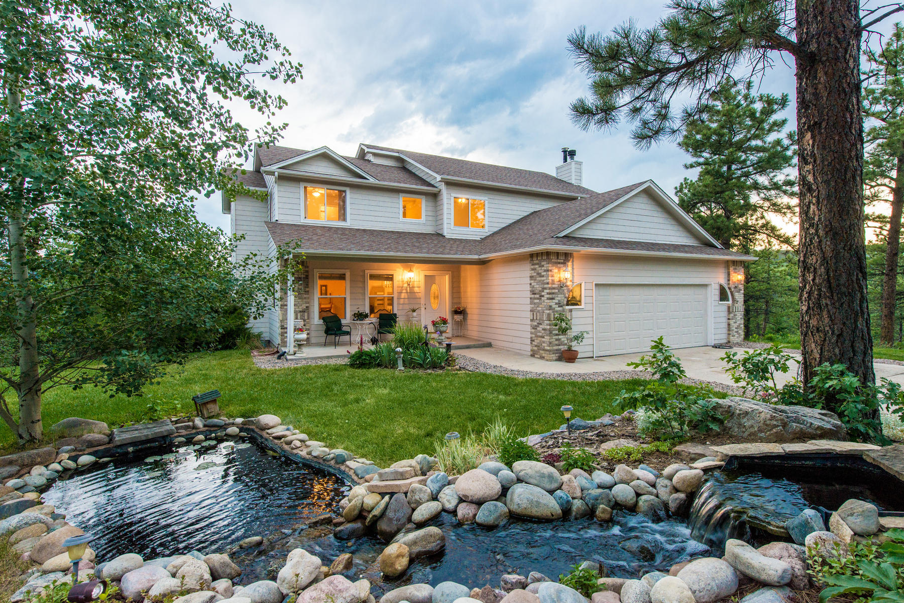 Single Family Home for Active at True Mountain Retreat 8808 South Murphy Gulch Road Littleton, Colorado 80127 United States