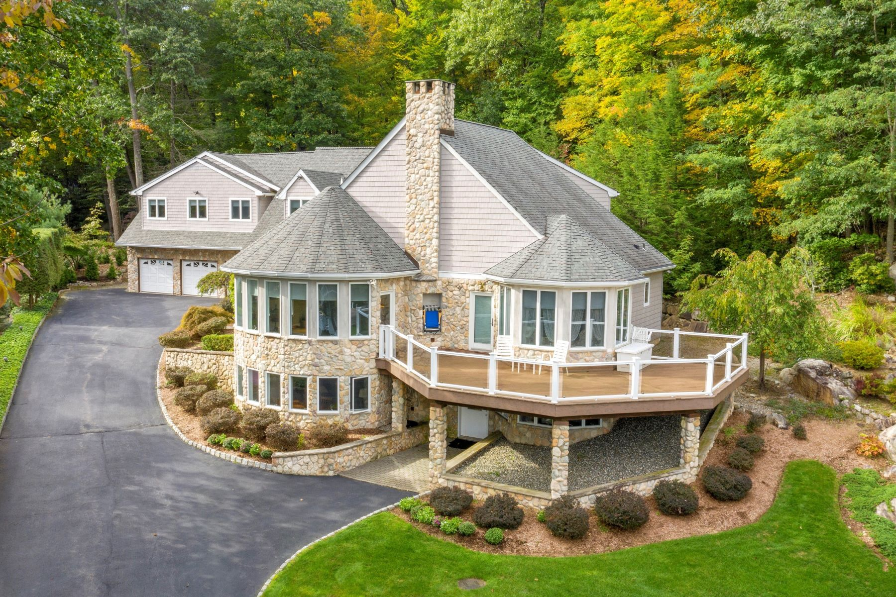 Moradia para Venda às Custom Lakefront Home 11 West Shore Road, Bloomingdale, Nova Jersey 07403 Estados Unidos