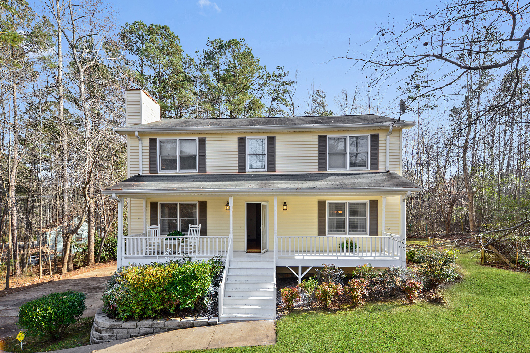 Single Family Home for Sale at Charming Cap Cod Home New Victoria Harbour Marina 705 Emerald Ridge Woodstock, Georgia 30189 United States