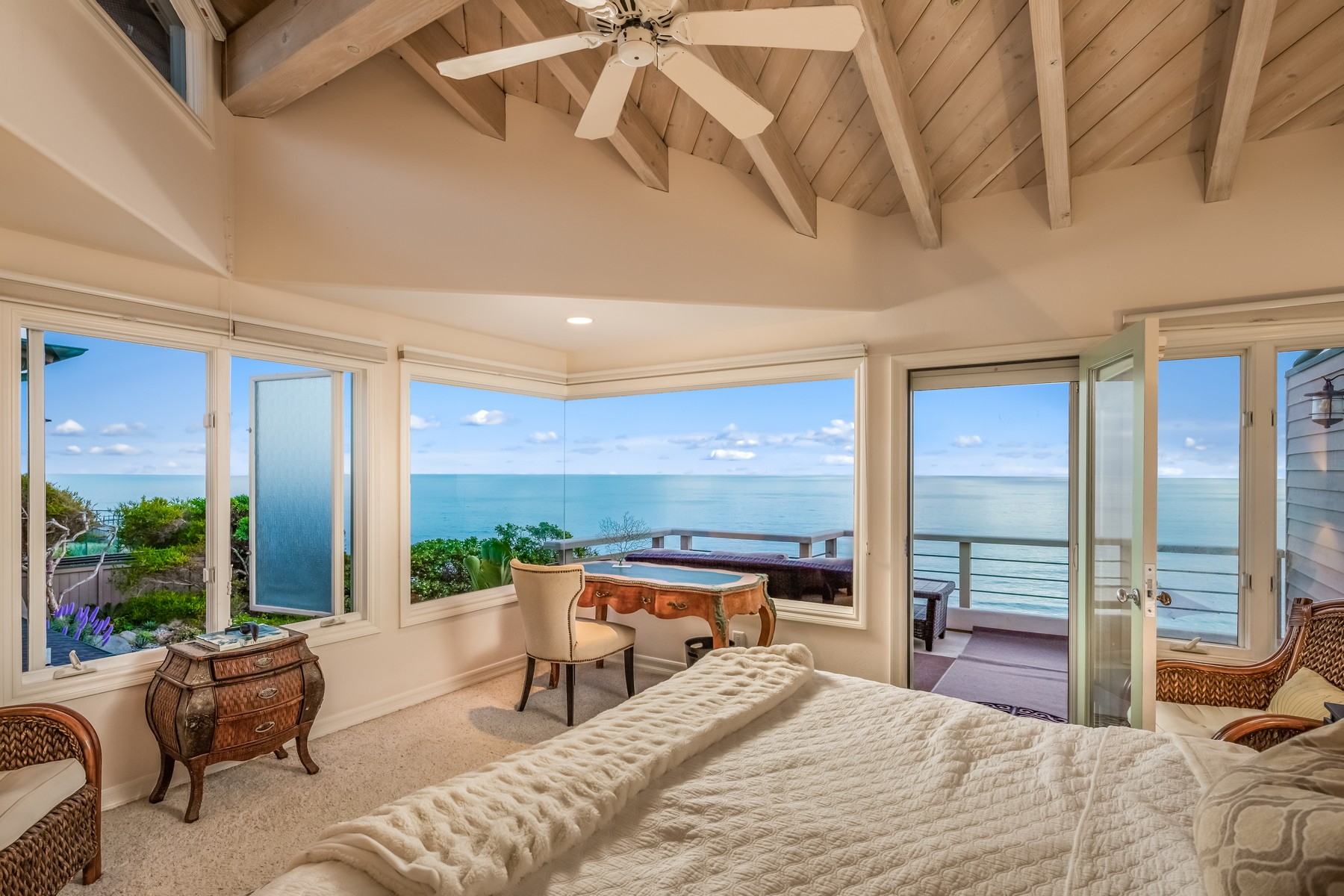 townhouses for Active at 550 4th Street Encinitas, California 92024 United States