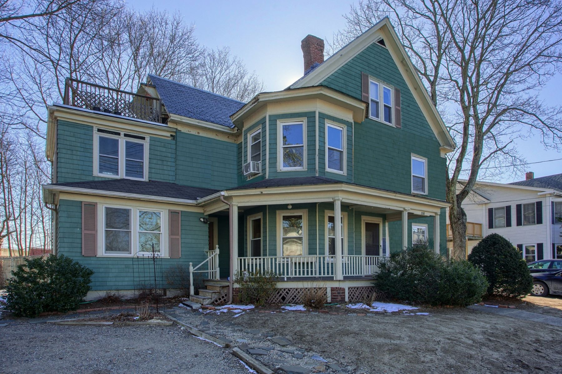 Vivienda multifamiliar por un Venta en Three Family, Walk to West Concord 336-338 Commonwealth Avenue Concord, Massachusetts, 01742 Estados Unidos