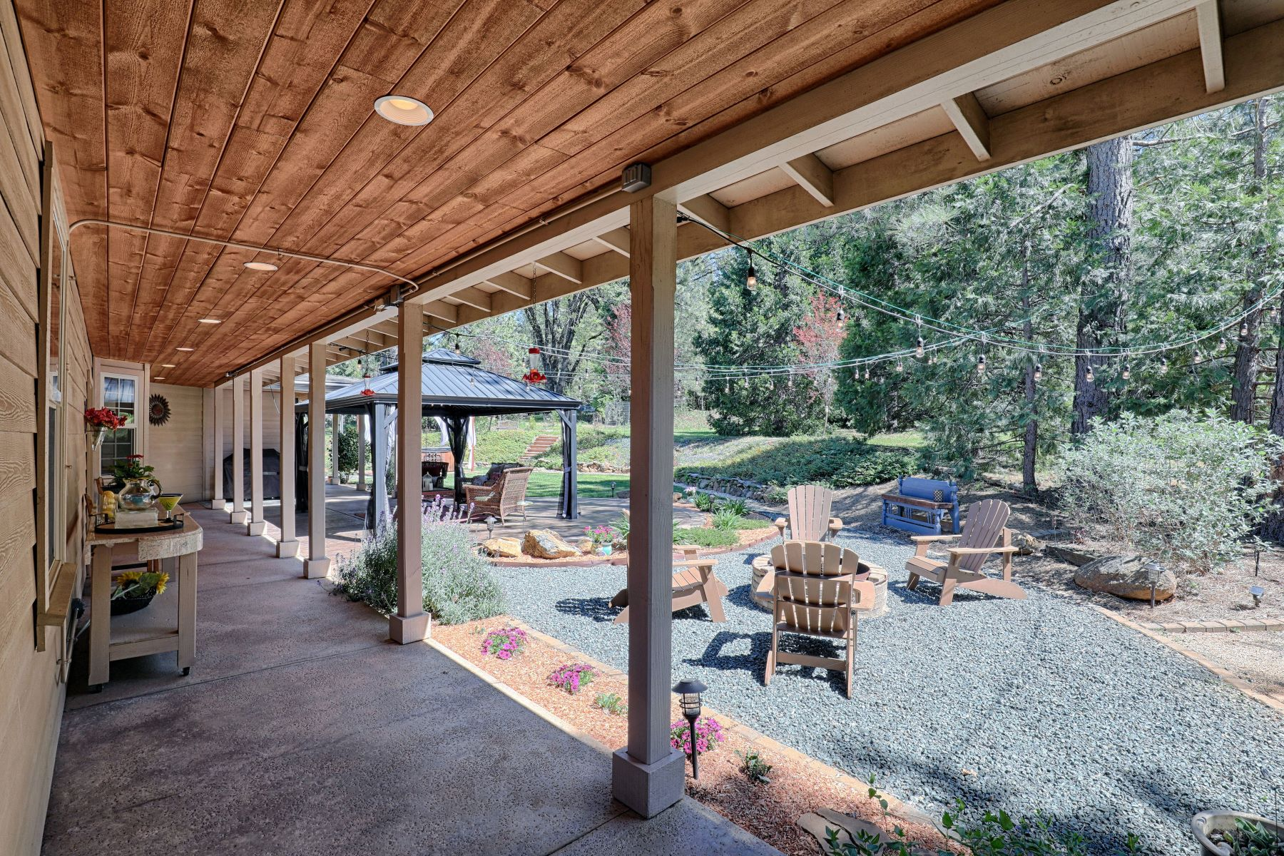 Additional photo for property listing at 13689 Meadow Drive, Grass Valley, CA 13689 Meadow Drive Grass Valley, California 95945 United States