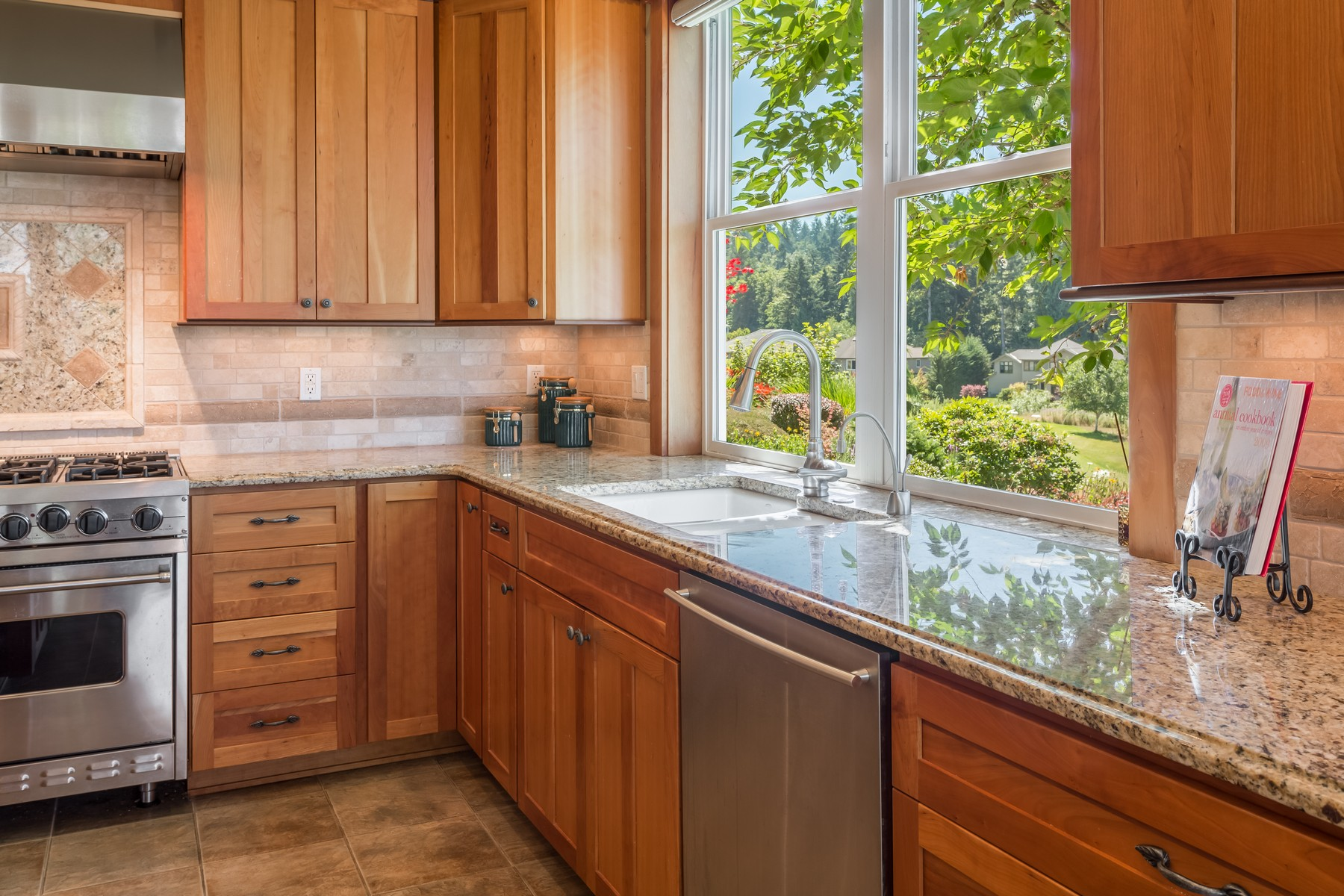 Additional photo for property listing at Newcastle Craftsman 15131 SE 80th St Newcastle, Washington 98059 United States