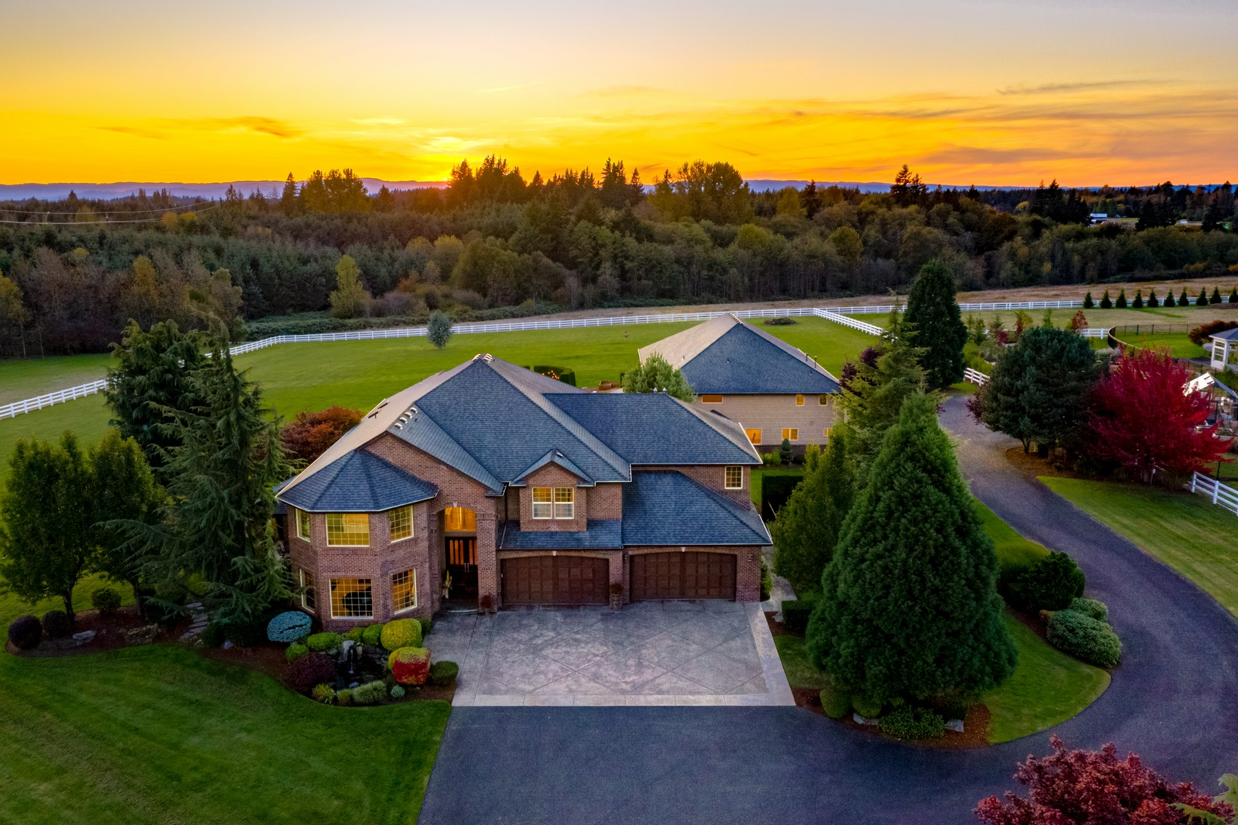 Single Family Homes for Sale at 5 AC Estate w/ RV & Separate Apt - Ridgefield, WA 30100 NW 18TH PL Ridgefield, Washington 98642 United States