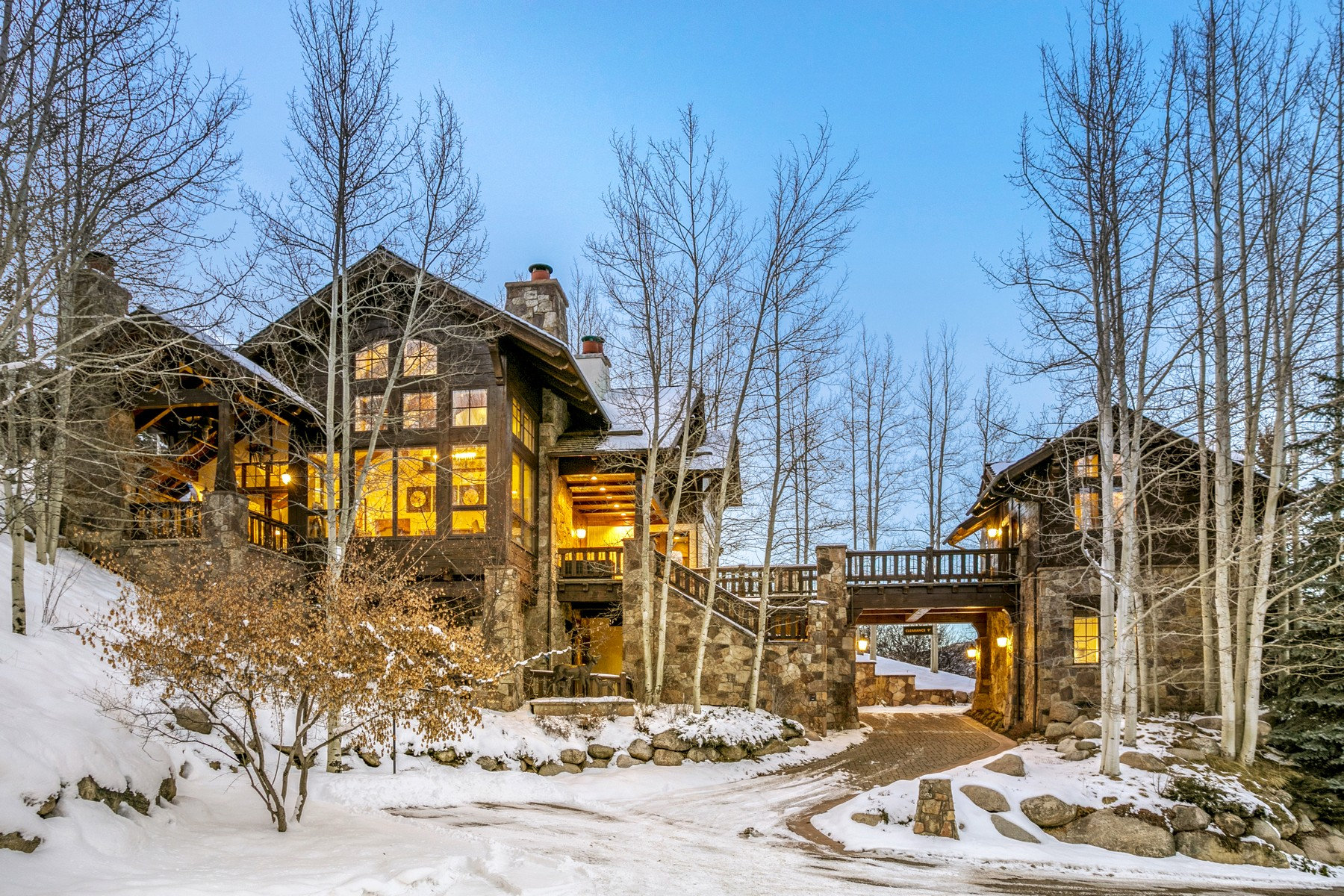 Single Family Home for Active at Positioned high above its neighbors on a premium lot 72 Highline Drive Beaver Creek, Colorado 81620 United States