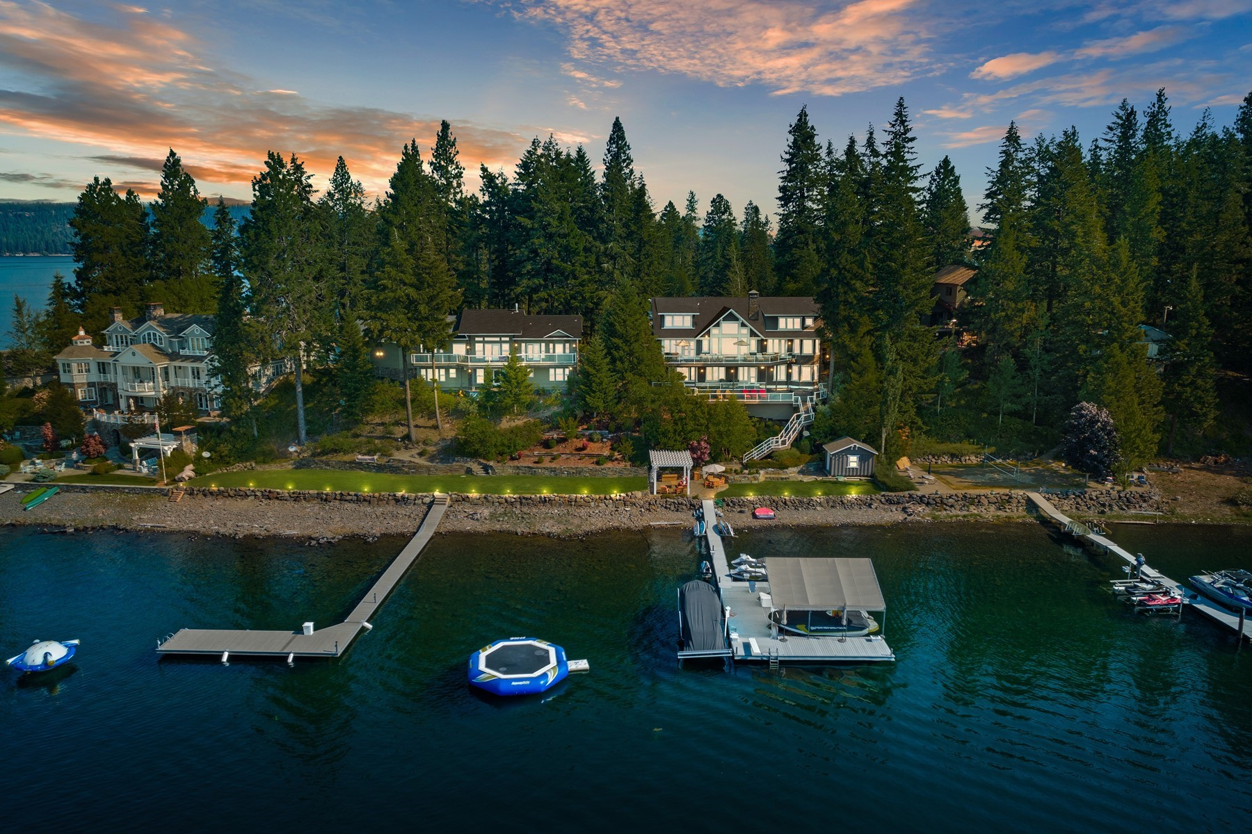 Single Family Homes للـ Sale في CDA Living Extraordinaire 489 & 507 E Driftwood Ln, Harrison, Idaho 83833 United States