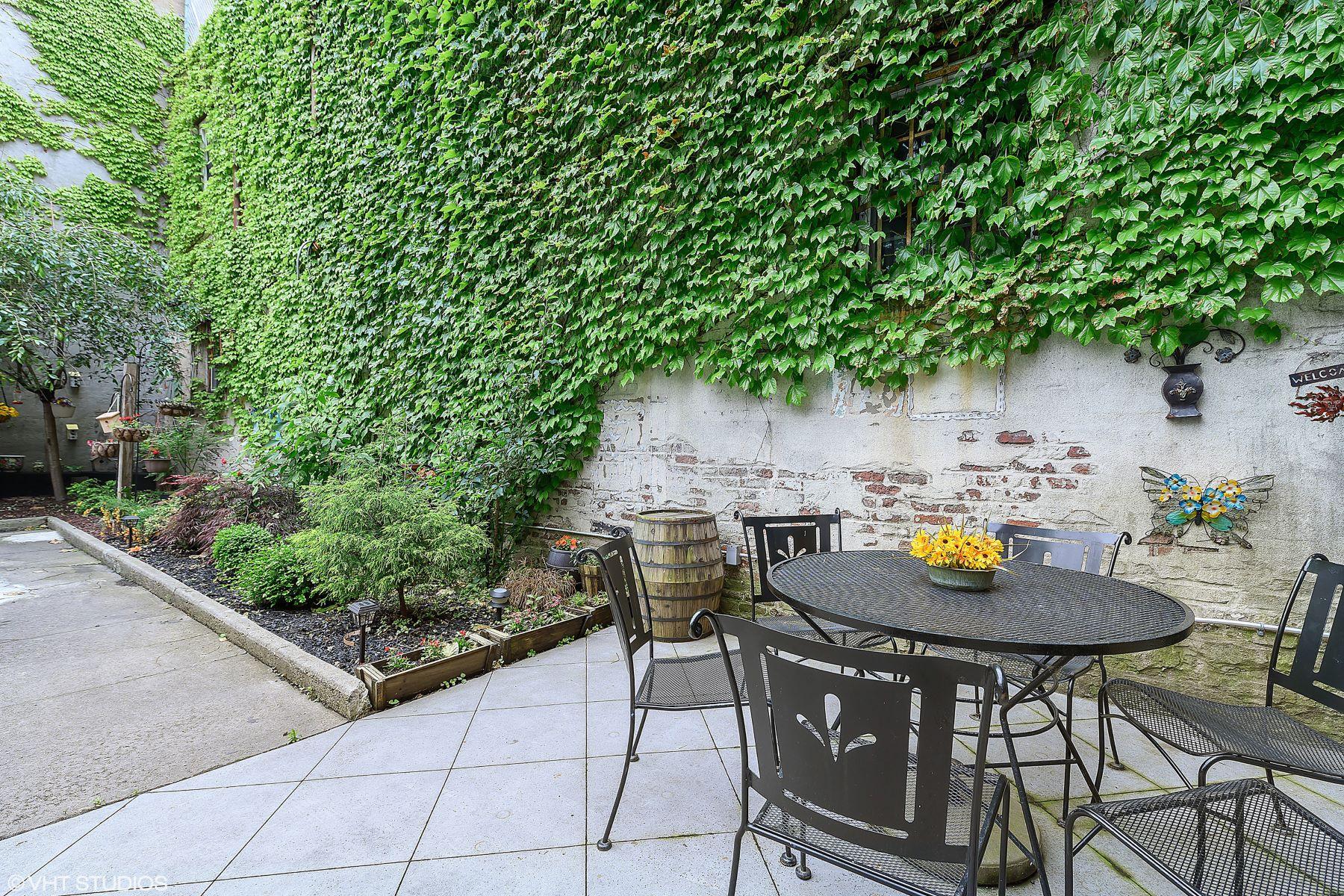 Multi-Family Homes por un Venta en Four Story Brick Townhouse 559 Clinton Street Brooklyn, Nueva York 11231 Estados Unidos