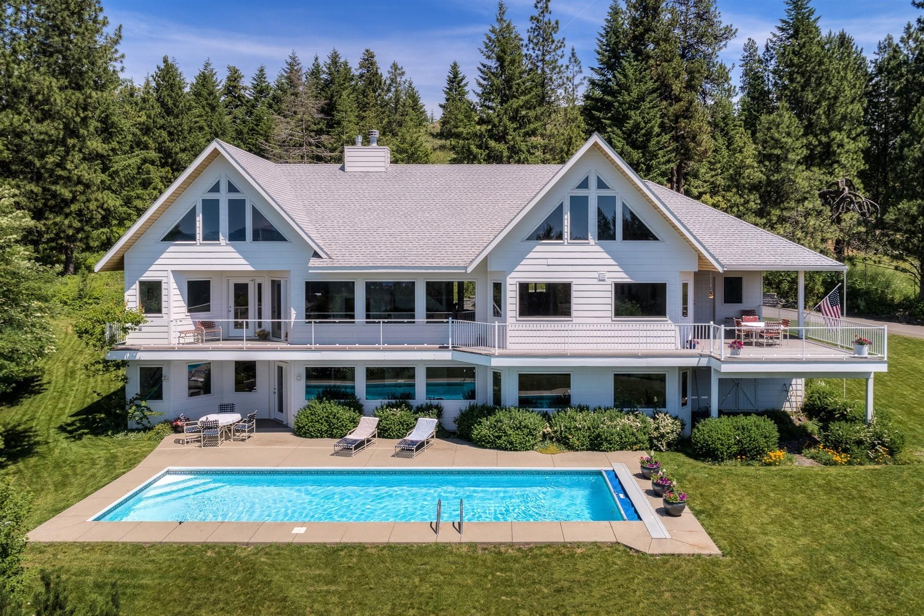 Single Family Homes for Sale at 3373 E. Fernan Hill Road Coeur D Alene, Idaho 83814 United States