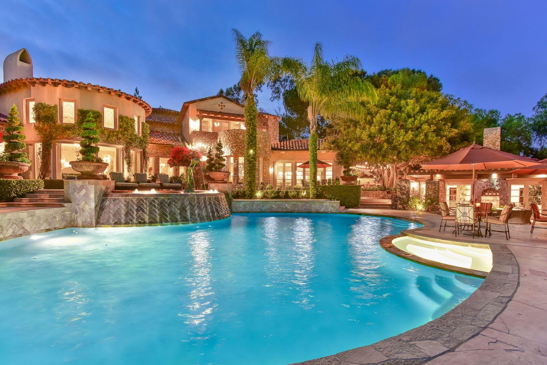 Single Family Home for Active at 7059 El Vuelo Del Este 7059 El Vuelo Del Este Rancho Santa Fe, California 92067 United States