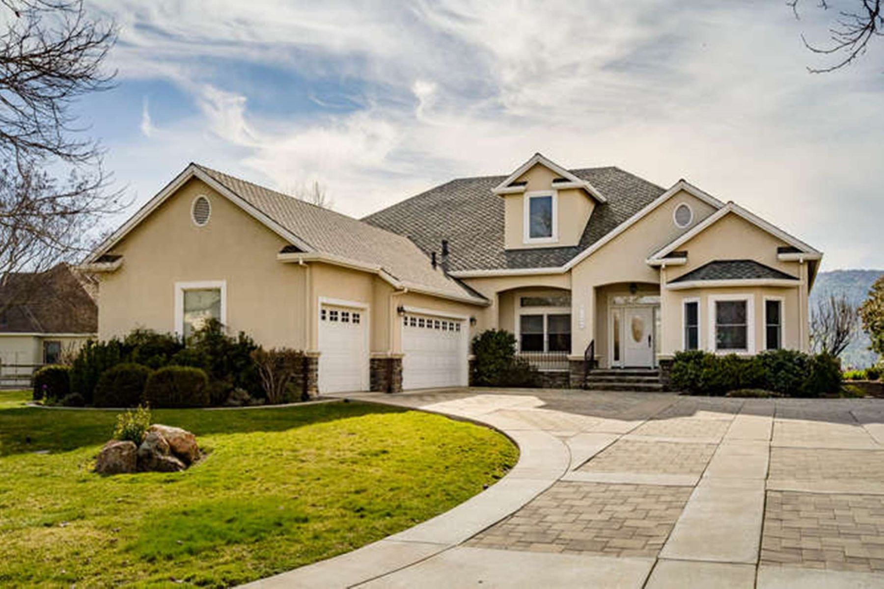 Частный односемейный дом для того Продажа на 2100 Oak Creek Drive Copperopolis, Калифорния 95228 Соединенные Штаты