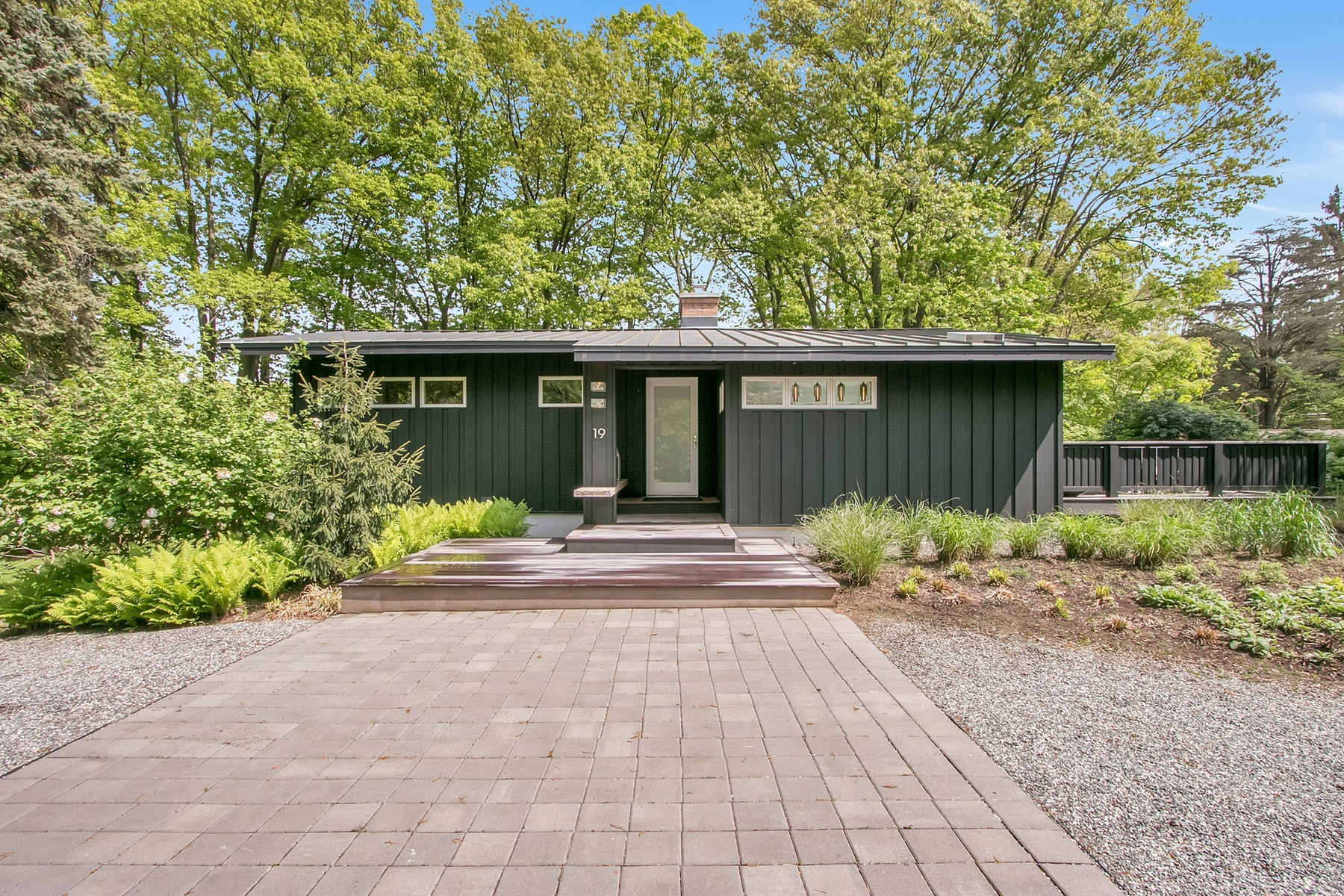Single Family Homes for Active at Flawless Mid-Century Modern 19 Hickory Hill Road Tappan, New York 10983 United States