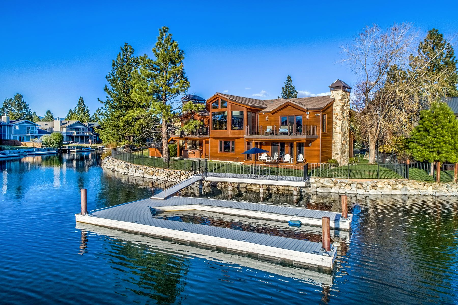 Additional photo for property listing at Incredible Luxury Living 453 Lido Dr South Lake Tahoe, California 96150 United States