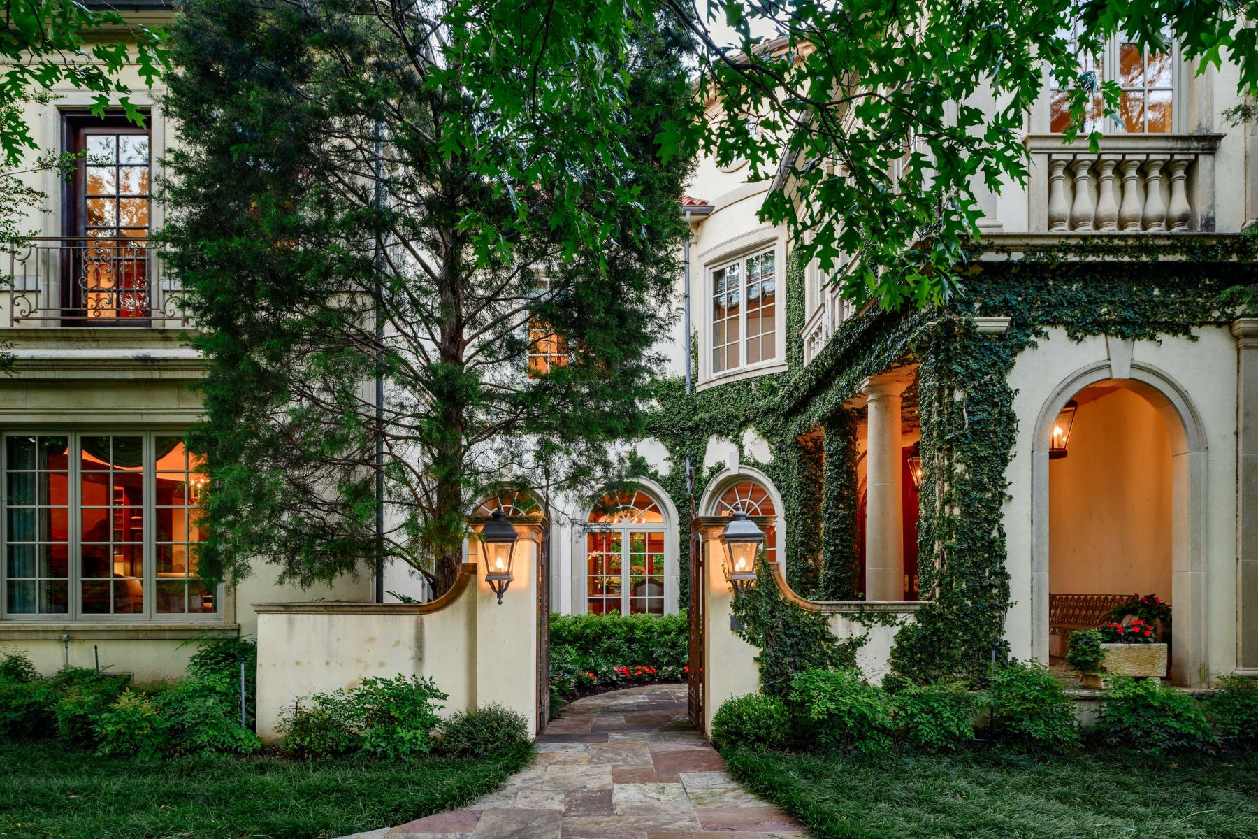 Single Family Homes for Active at Iconic Italian Renaissance Villa in Highland Park 4300 Armstrong Parkway Highland Park, Texas 75205 United States