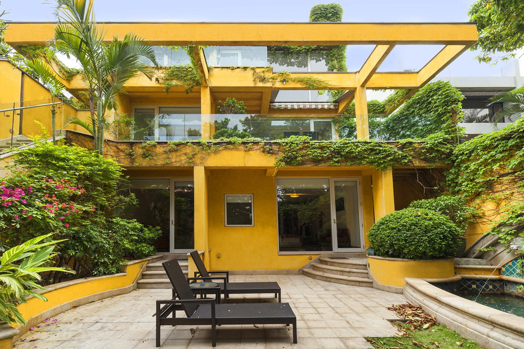 Single Family Home for Sale at Carmelia Stanley, Hong Kong Hong Kong