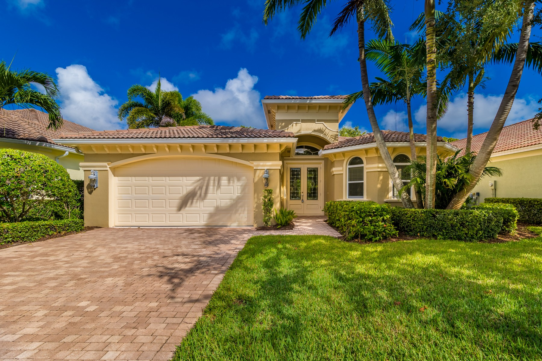 Single Family Homes for Sale at Lakefront Home in Grand Harbor 2186 Falls Circle Vero Beach, Florida 32967 United States