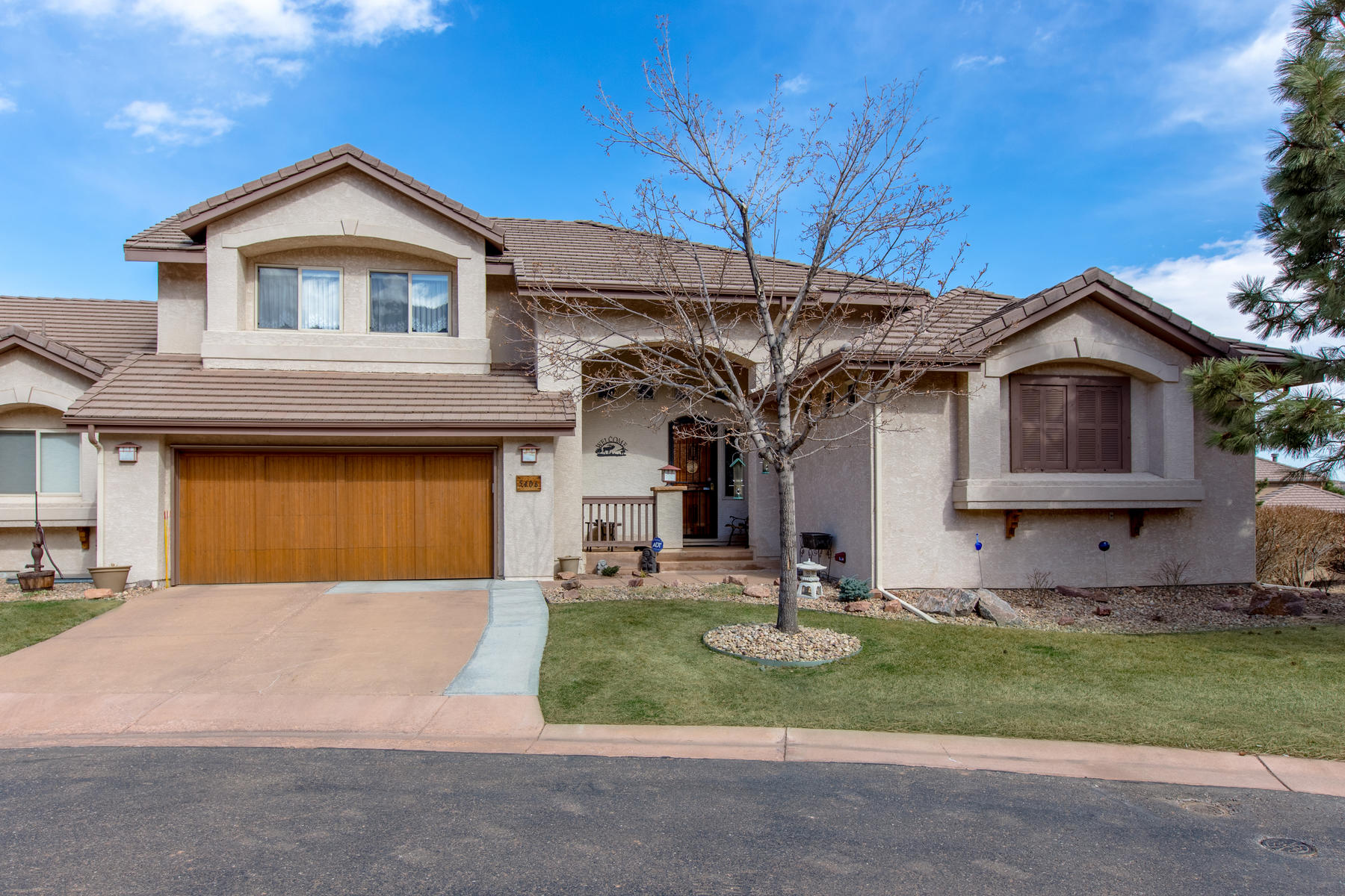 Duplex for Active at Low-Maintenance Living In Coveted Golf Course Community Willow Springs! 5406 Flatrock Court Morrison, Colorado 80465 United States