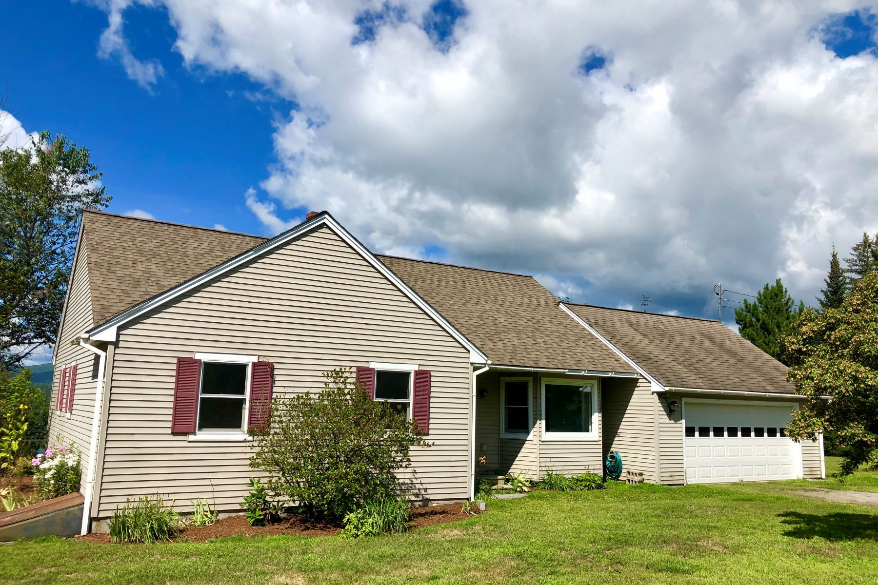 Single Family Homes for Active at 10 Bedford Road, Piermont 10 Bedford Rd Piermont, New Hampshire 03779 United States