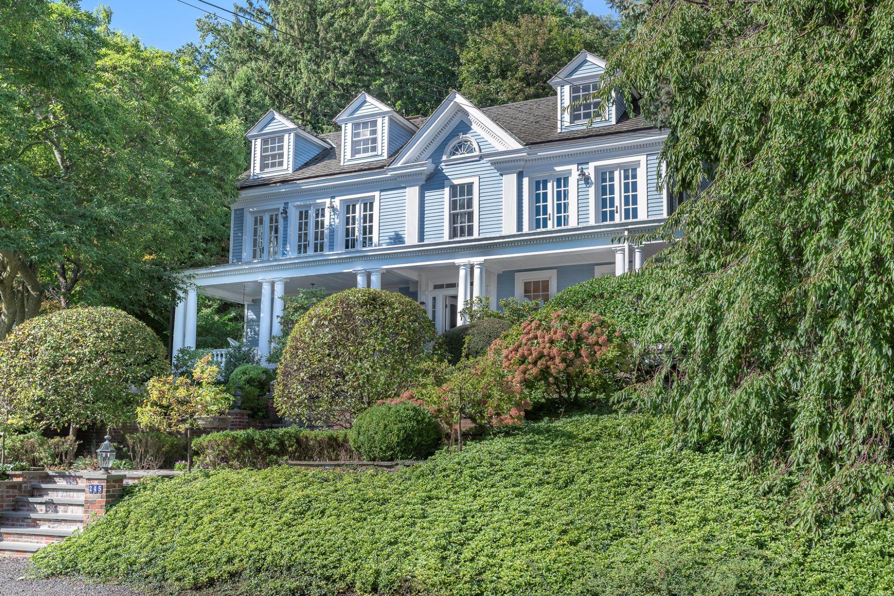 Single Family Homes för Försäljning vid Hudson River Valley Greek Revival 245 River Road, Grandview, New York 10960 Förenta staterna