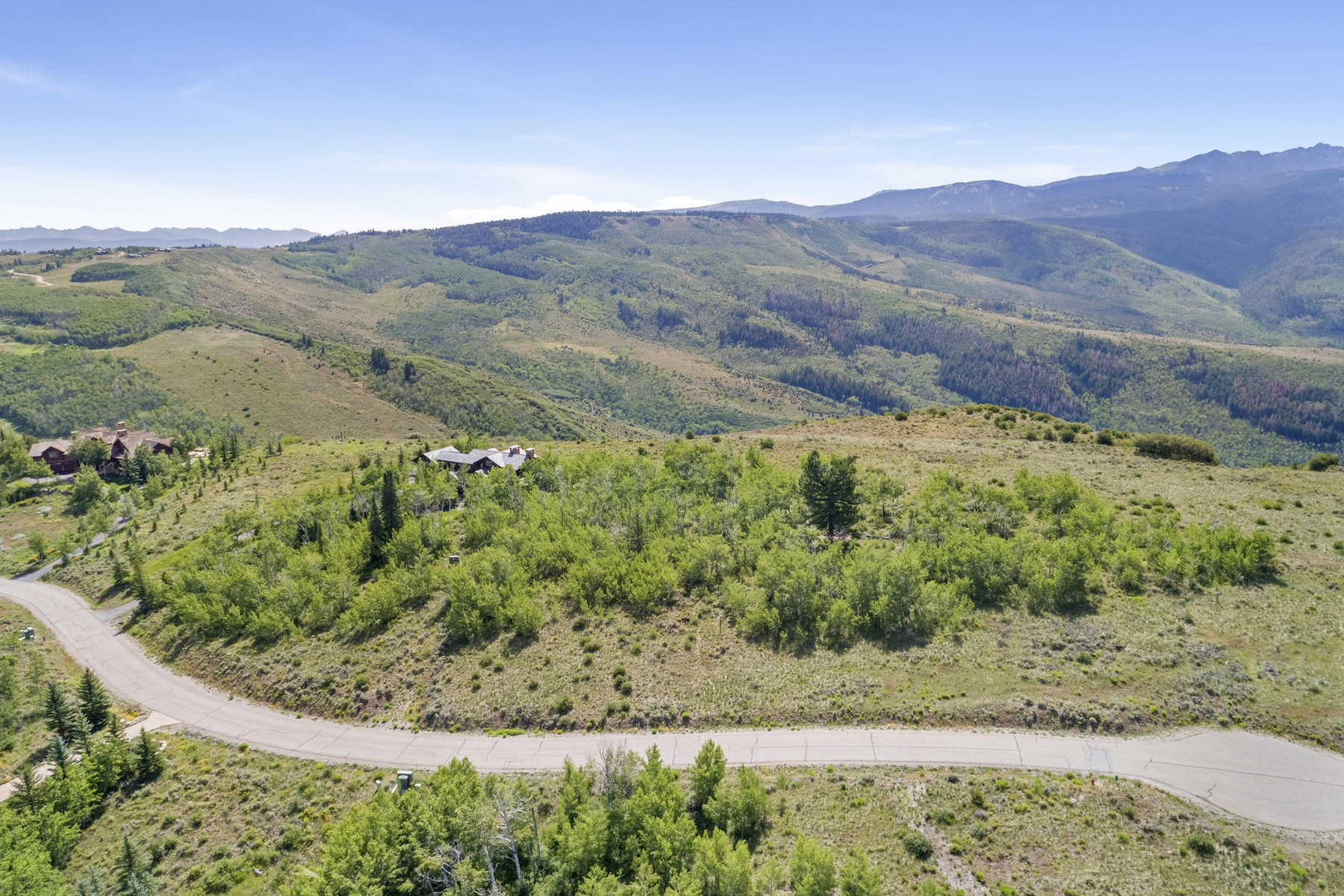 Terrain pour l Vente à This 5.5 acre parcel boasts jaw-dropping views of New York Mountain 818 Webb Peak, Edwards, Colorado 81632 États-Unis