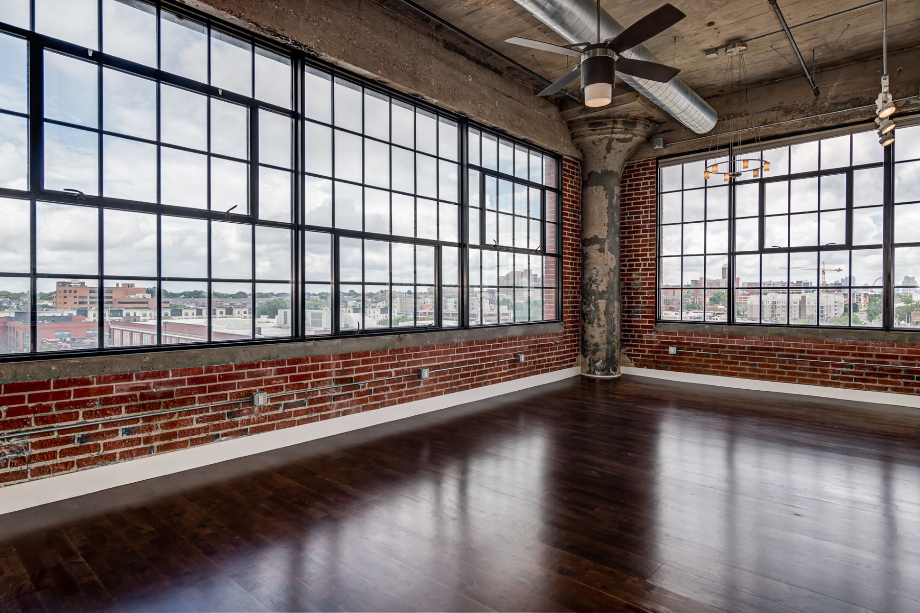 Additional photo for property listing at West End Lofts 4100 Forest Park Avenue Unit 511 St. Louis, Missouri 63108 United States