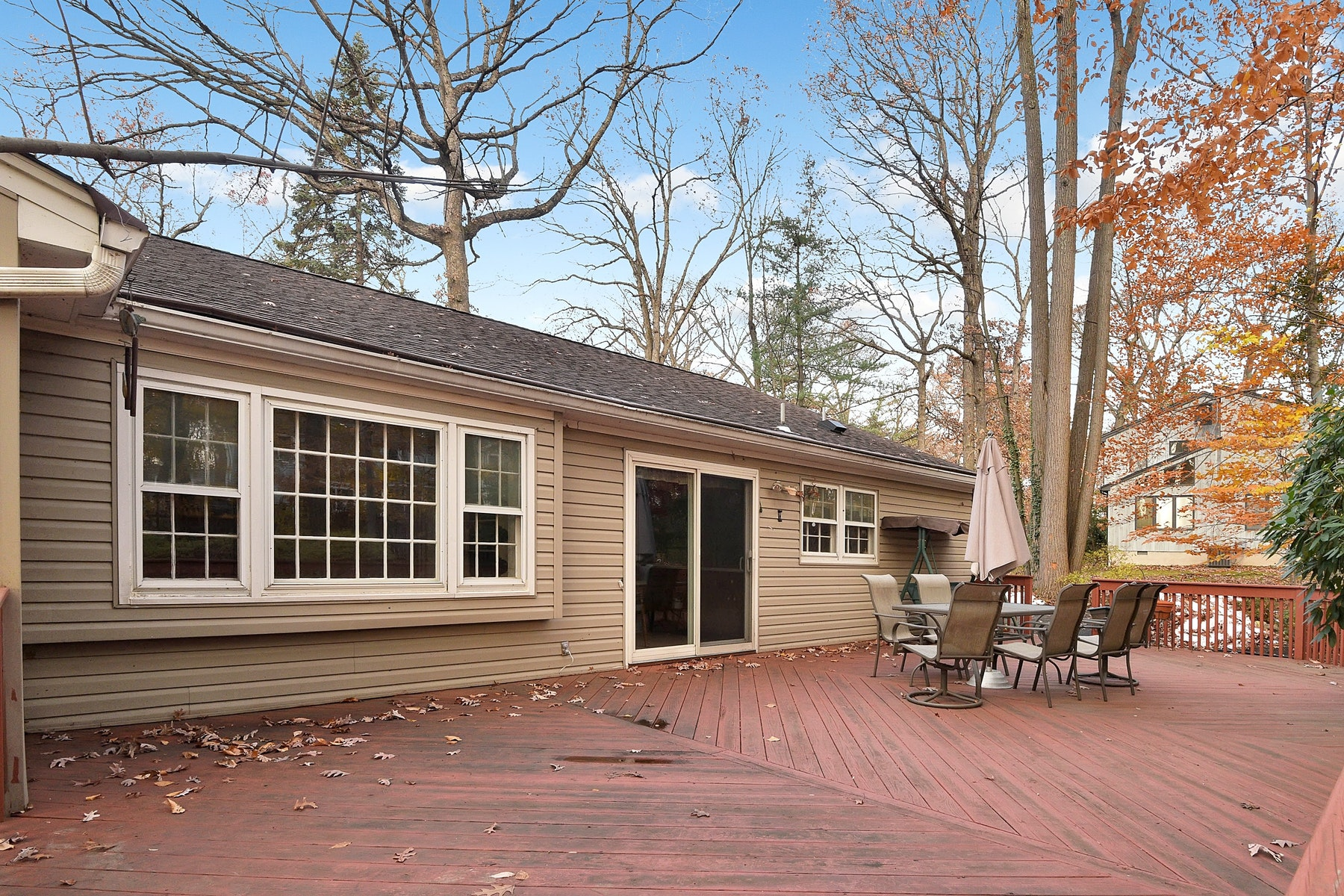 Single Family Home for Sale at Wonderful Four Bedroom Home In Woodcliff Lake. 48 Kenwood Drive, Woodcliff Lake, New Jersey 07677 United States