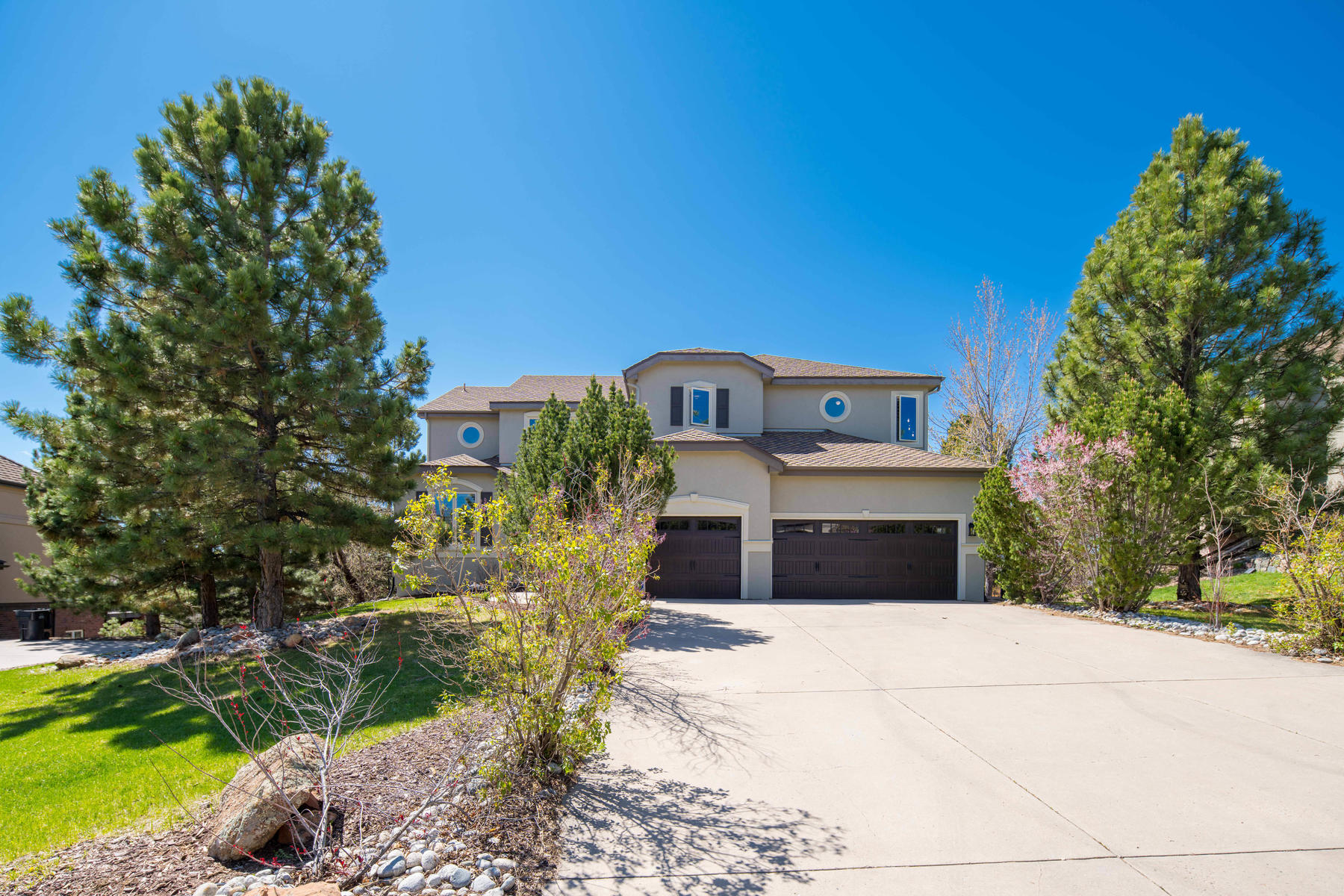 Single Family Homes for Sale at Stunning Home On the Golf Course in Geln Oakes 7482 Glen Ridge Drive Castle Pines, Colorado 80108 United States