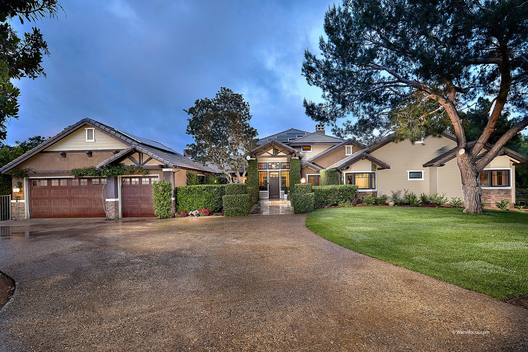 Single Family Home for Active at 20461 Fortuna Del Sur Escondido, California 92029 United States